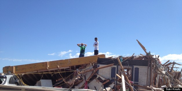 Oklahoma Tornado Teens Search For Remains Of Home Amid The Ruins