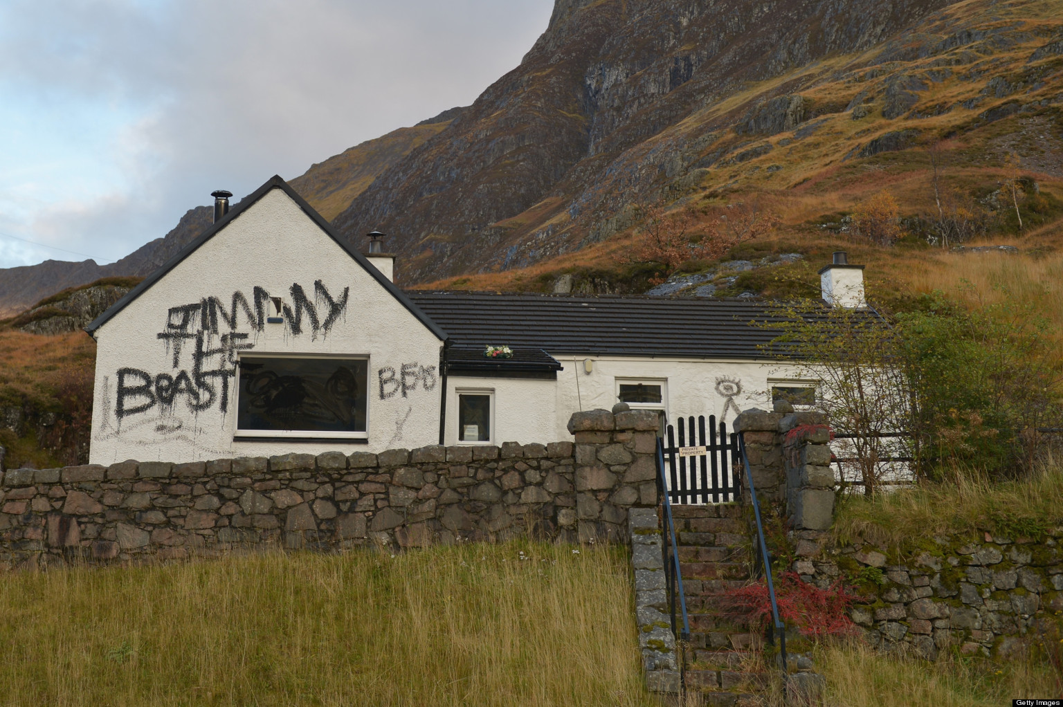 Jimmy Savile S Glencoe Cottage Put Up For Auction For 163
