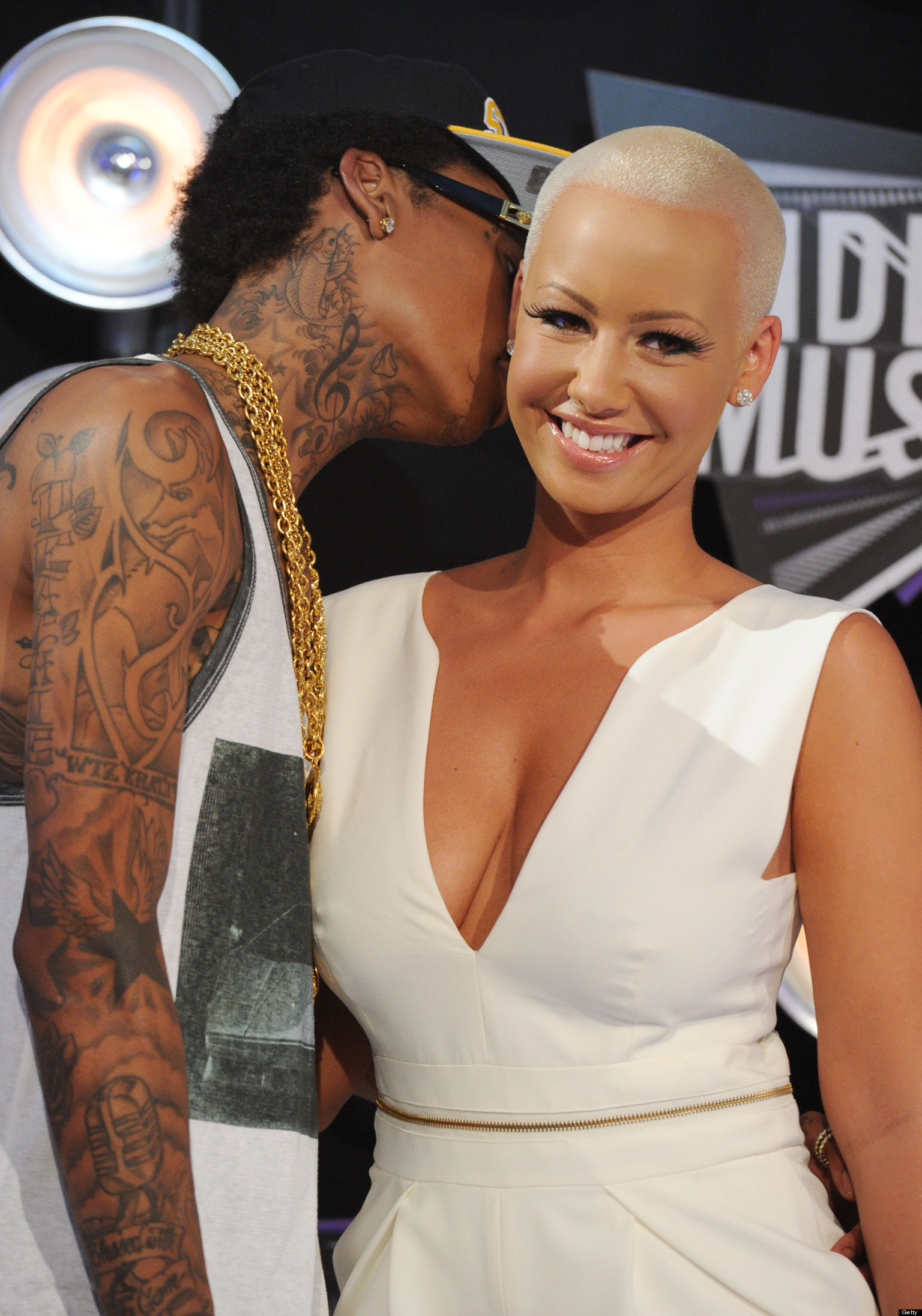 Amber Rose Wedding Dress Star Teases Gown On Instagram