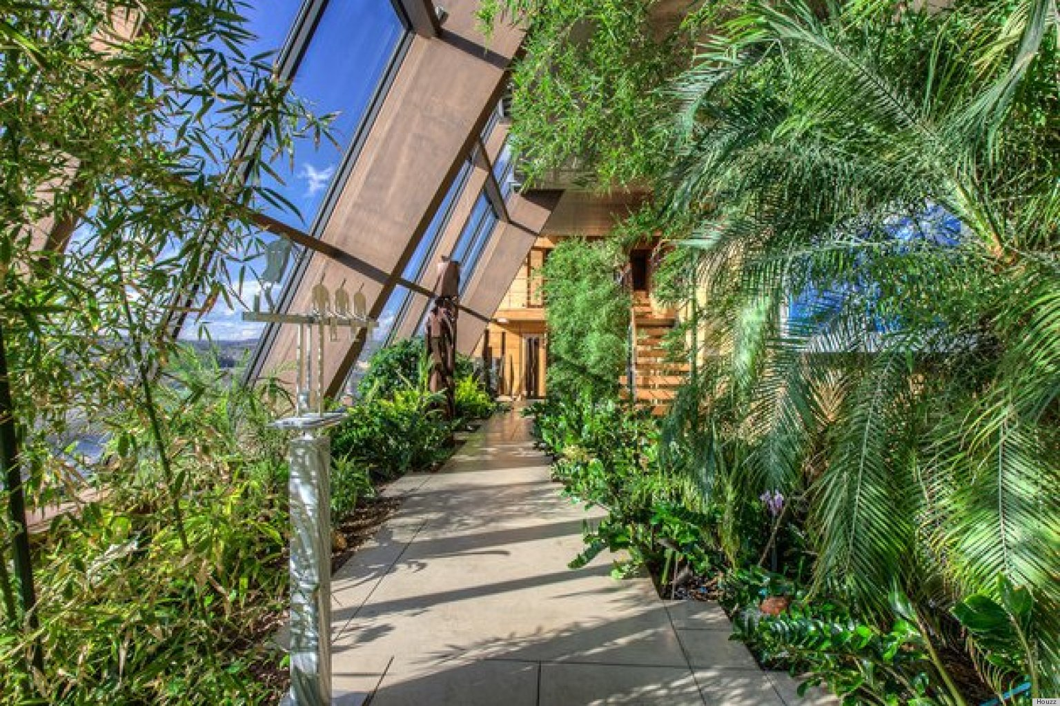 Good 10 Indoor Gardens That Definitely Bring The Outdoors In (PHOTOS) | HuffPost