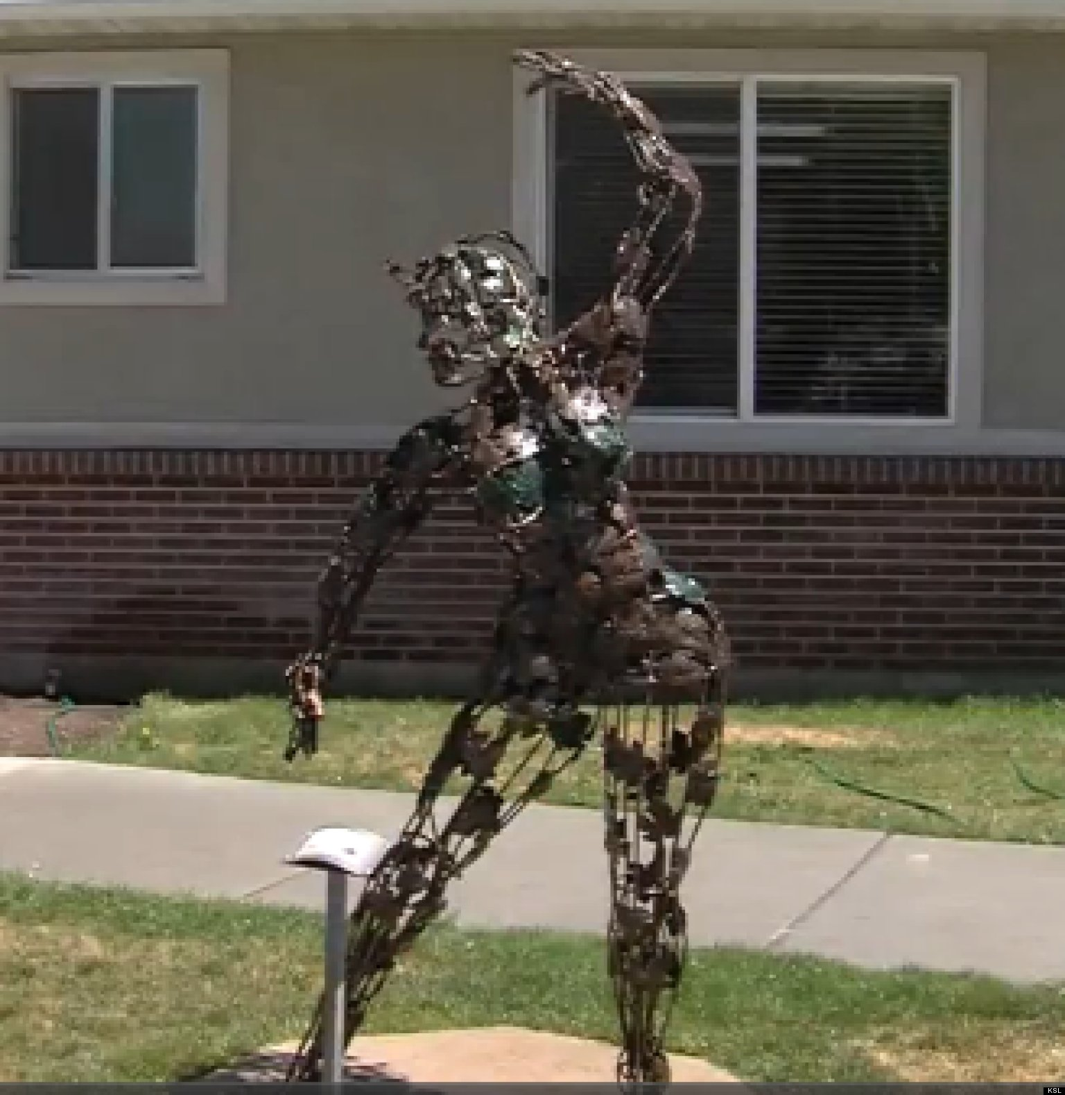 Naked Leaf Dancer Statue In Coalville, Utah Gets Dressed Up By Concerned Residents -5919