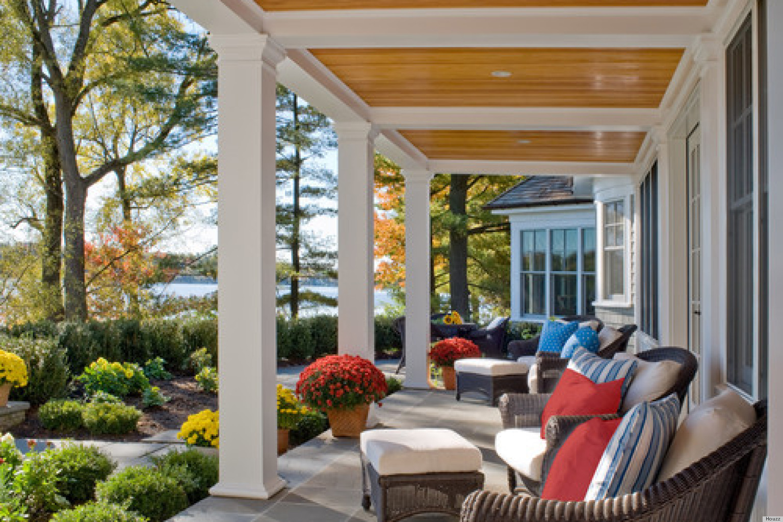 11 Pretty Porches That Will Have You Feeling Relaxed In No Time (PHOTOS) |  HuffPost