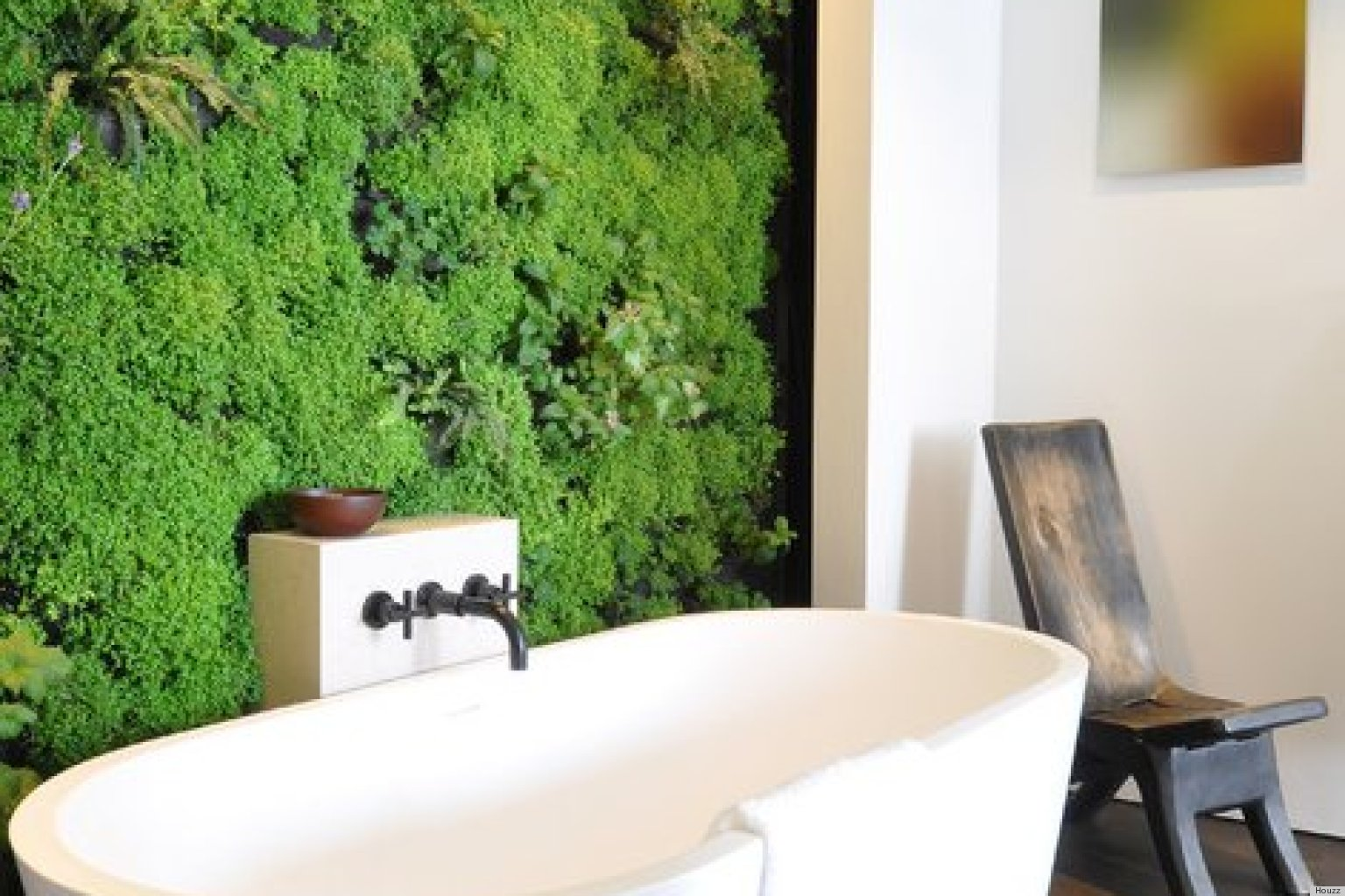 10 Indoor Vertical Gardens That Make Potted Plants Look Old School (PHOTOS)  | HuffPost