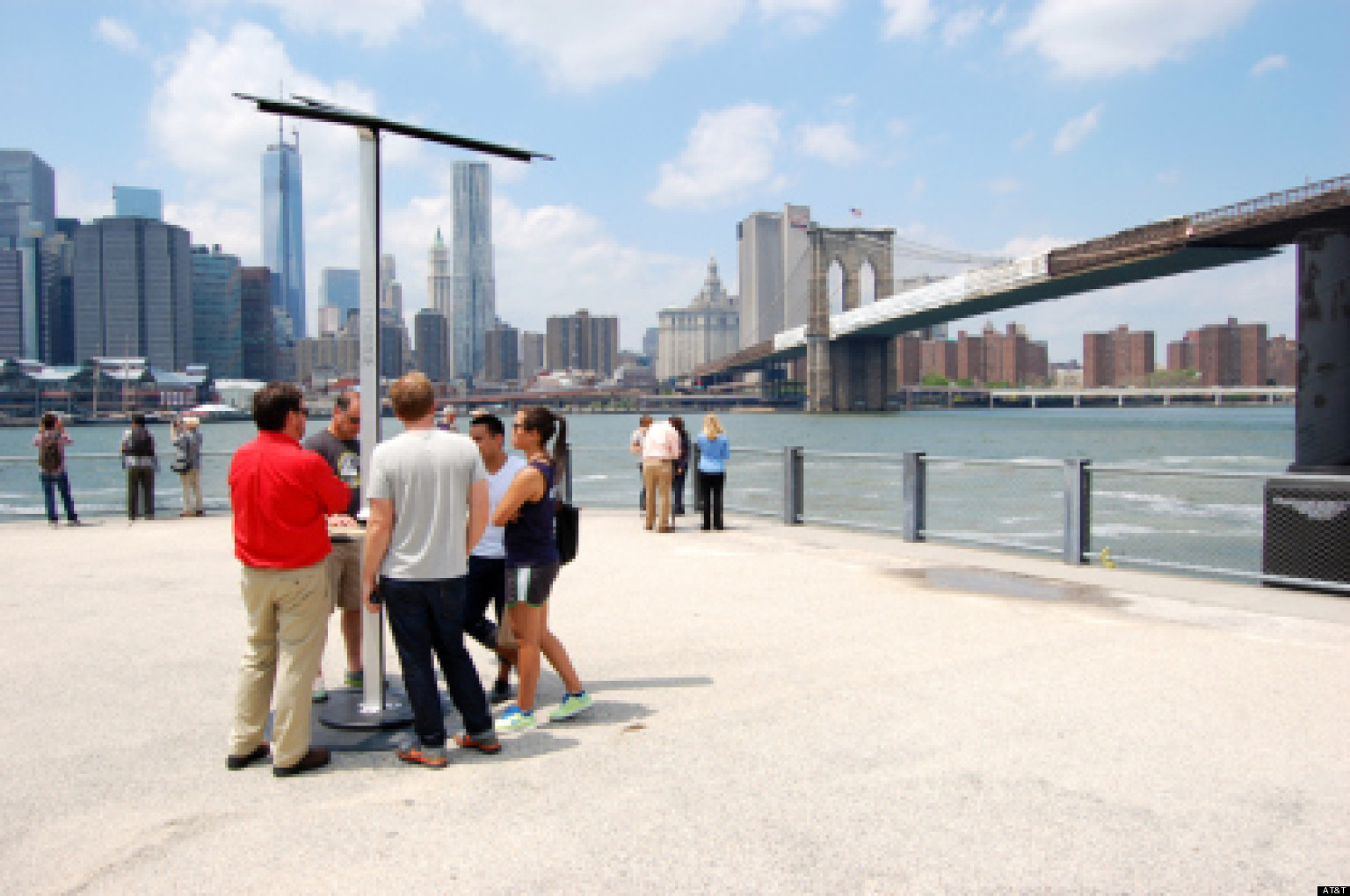 Phone Charging Stations In Nyc Powered By Solar Panels