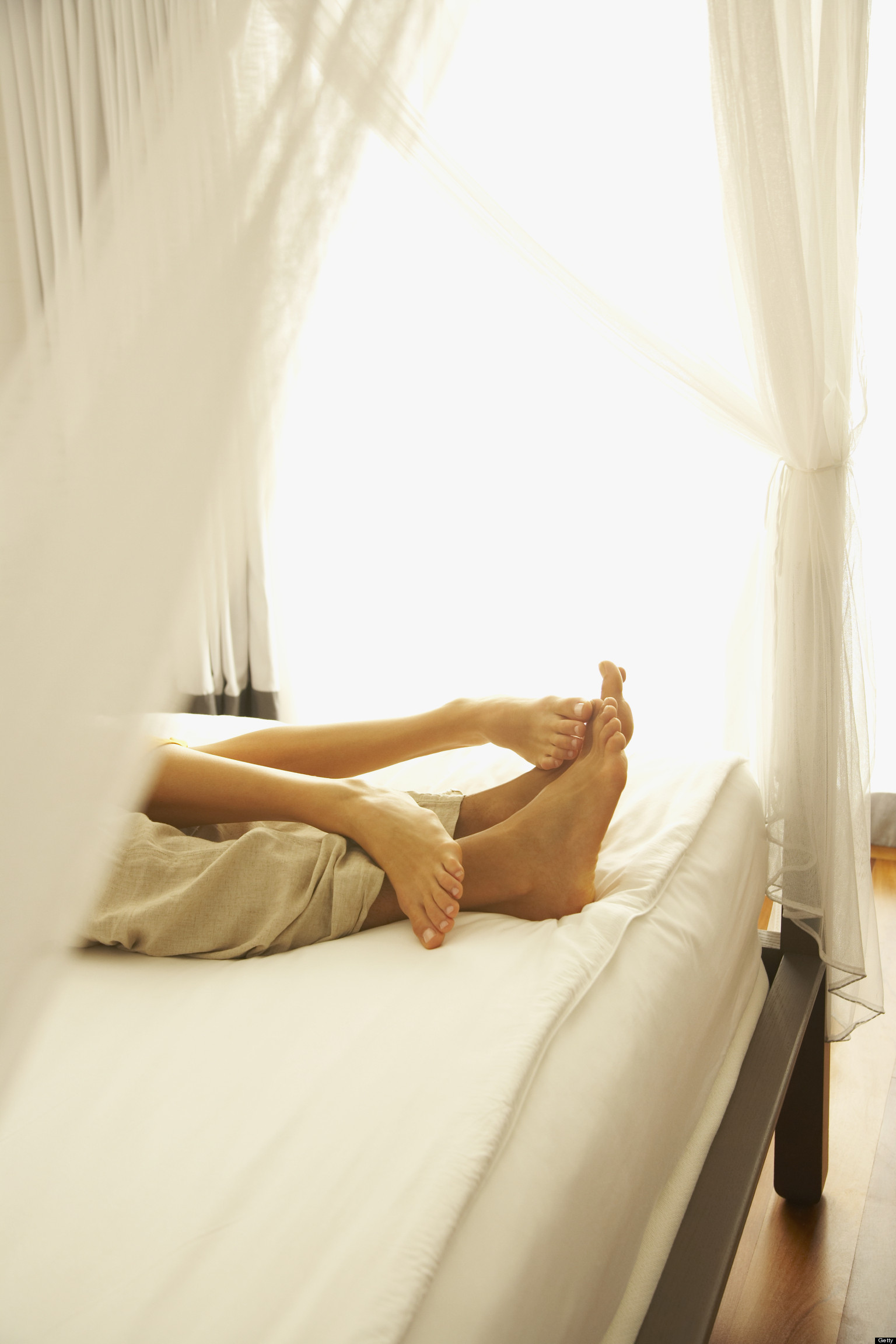 Sexting A Reason To Split? New Survey Looks At Relationship Scenarios    HuffPost