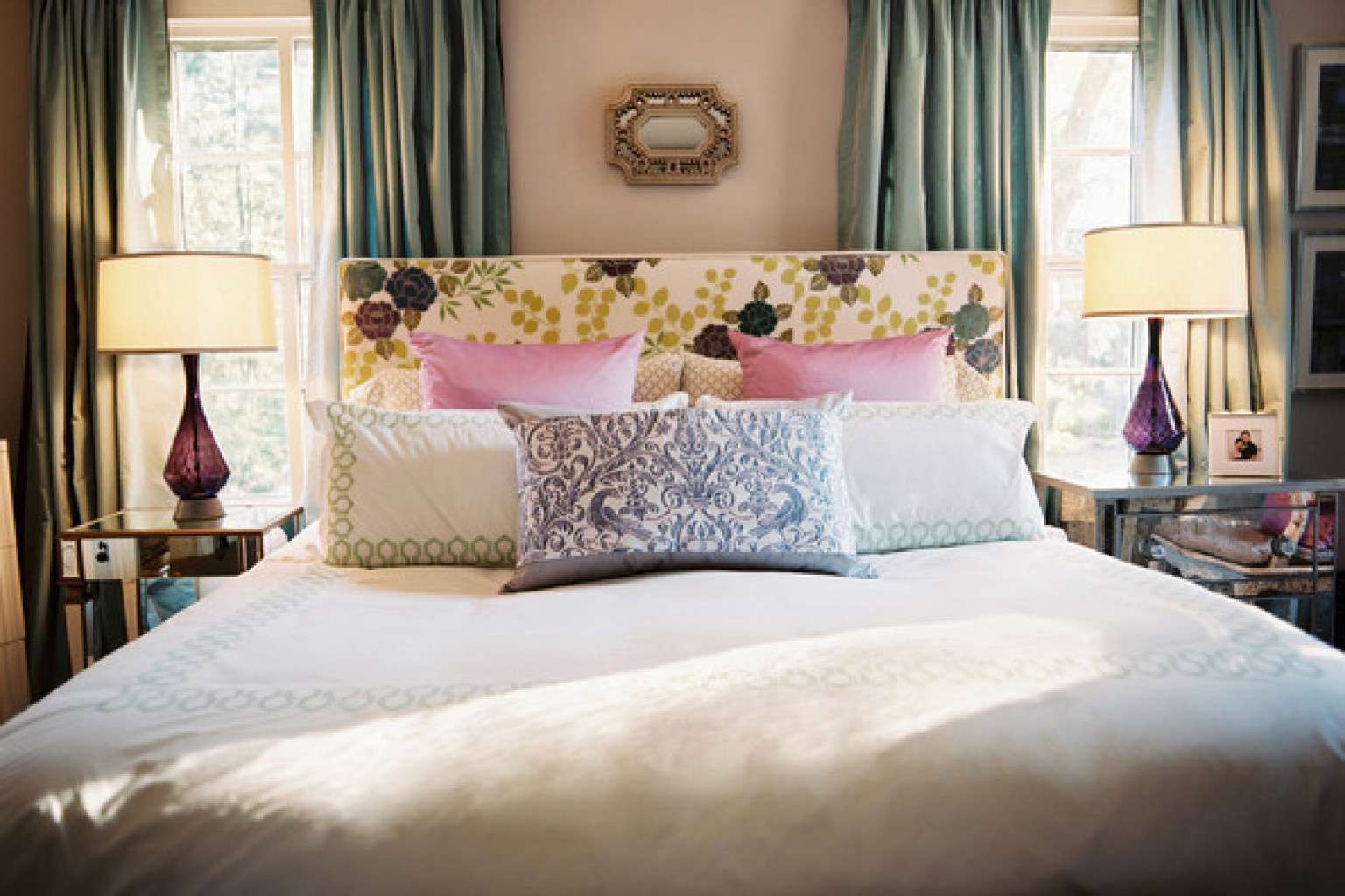 8 romantic bedroom ideas from lonny that will totally get for Romantic bedroom images