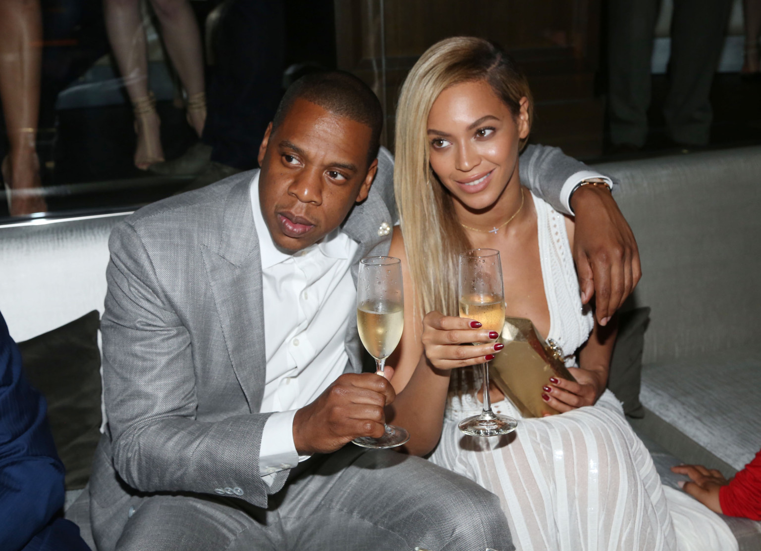Jay zs part ii on the run is a collaboration with beyonce off jay zs part ii on the run is a collaboration with beyonce off of magna carta holy grail huffpost malvernweather Choice Image