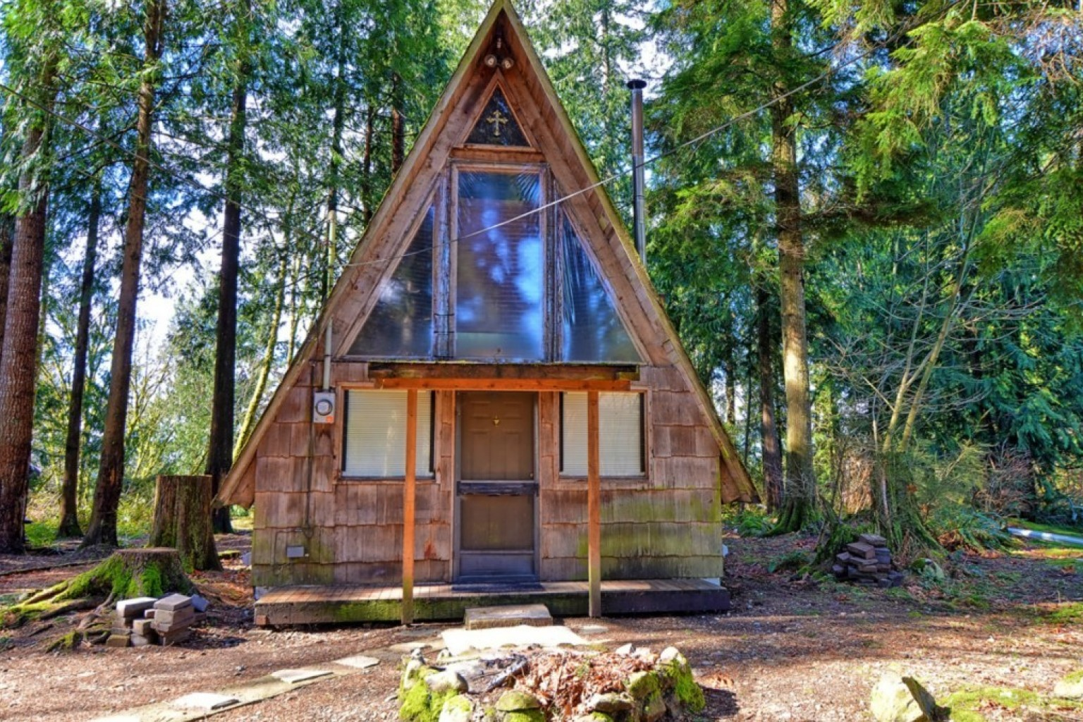 This A-Frame Tiny Home For Sale Would Make The Perfect Summer Getaway  (PHOTOS) | HuffPost