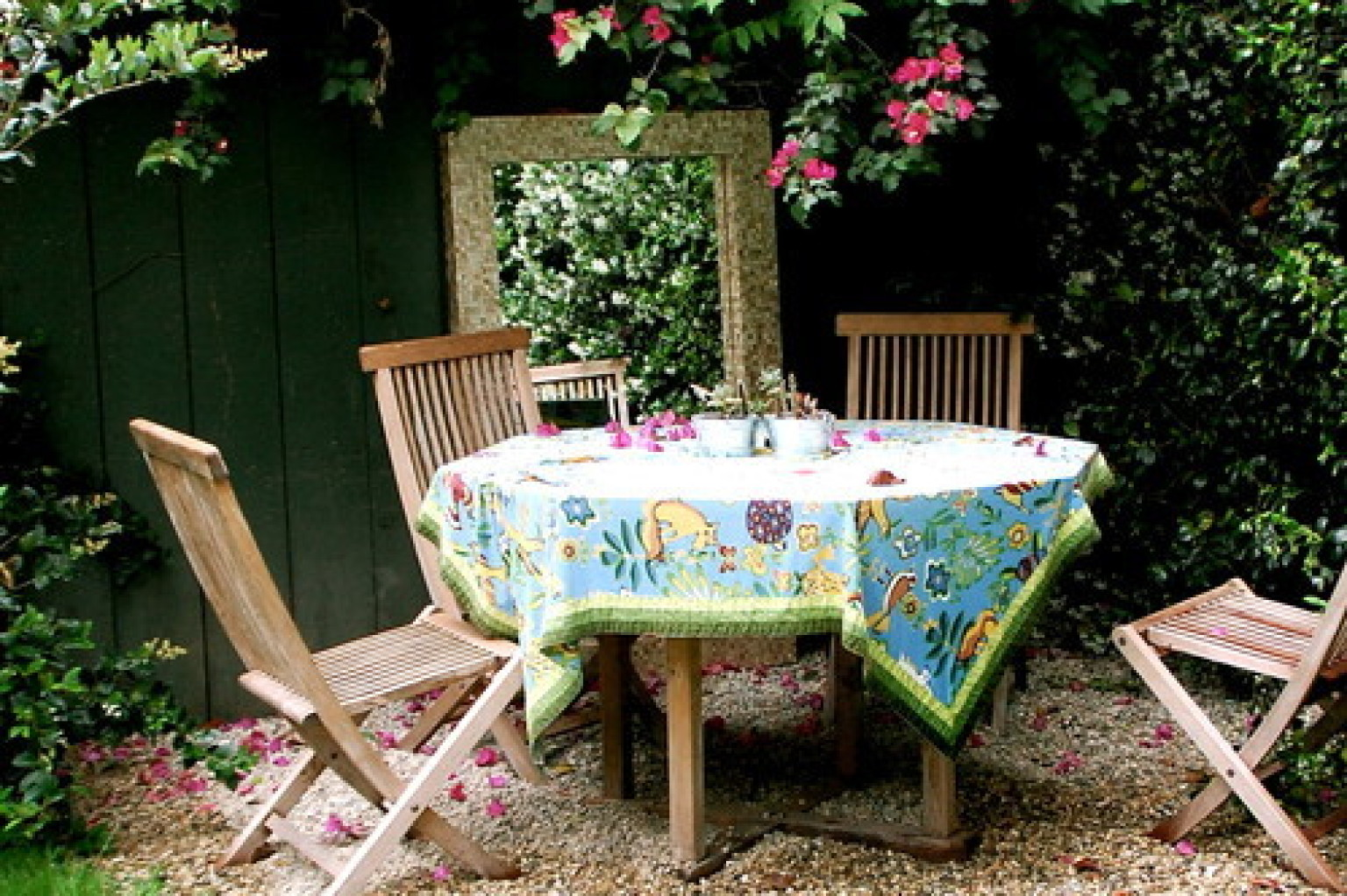 10 Outdoor Dining Rooms That Make Eating Alfresco Seem Like The ...
