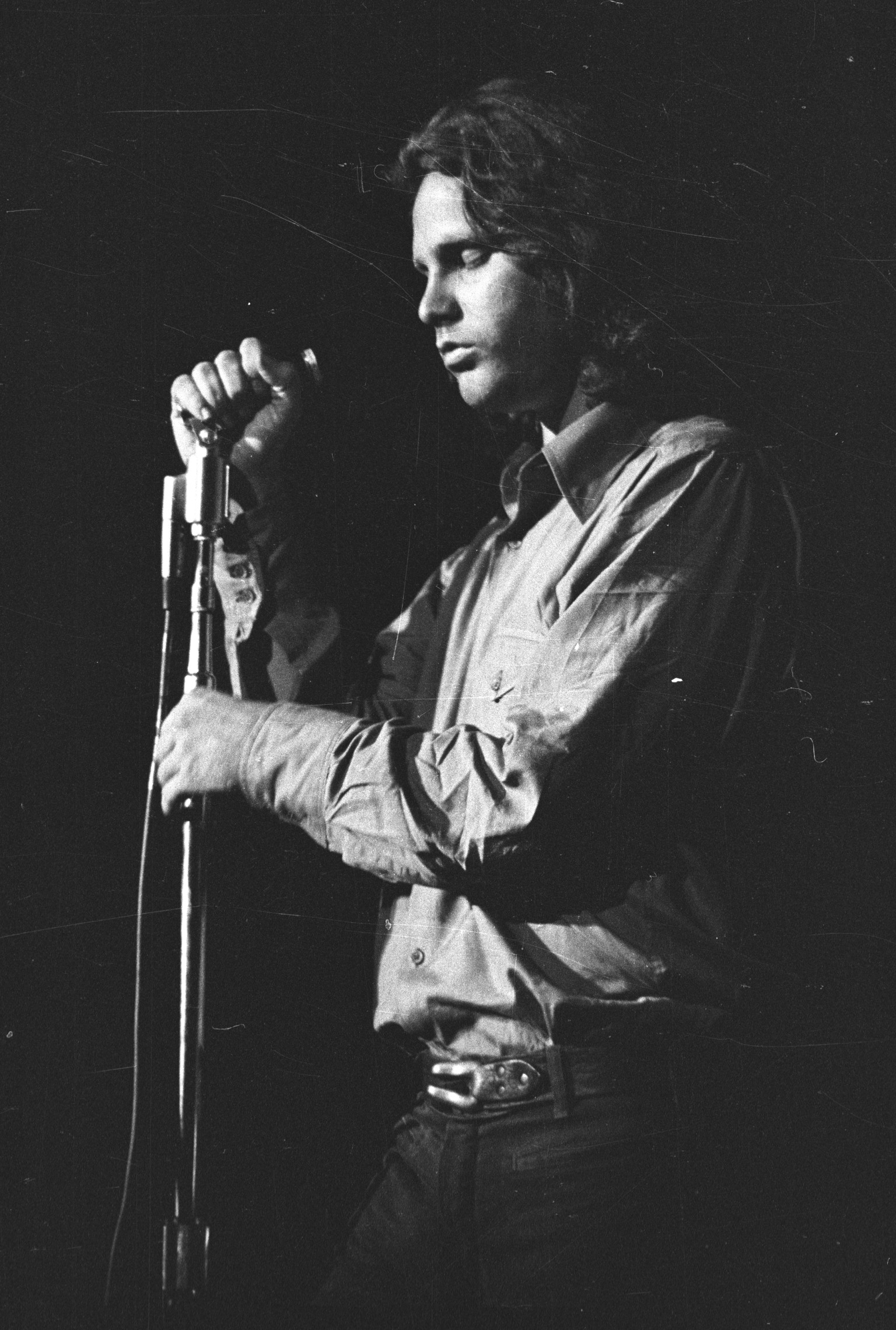 a research on jim morrison the lead singer of the doors Jim morrison was a poet, filmmaker, songwriter, and the lead singer of the doors  jim morrison at the fillmore i was doing time in the universal mind.