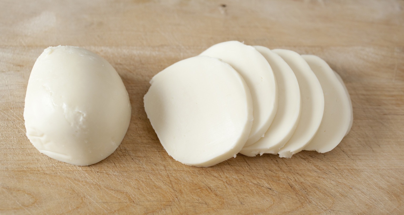 How To Make Homemade Mozzarella Because It Trumps The