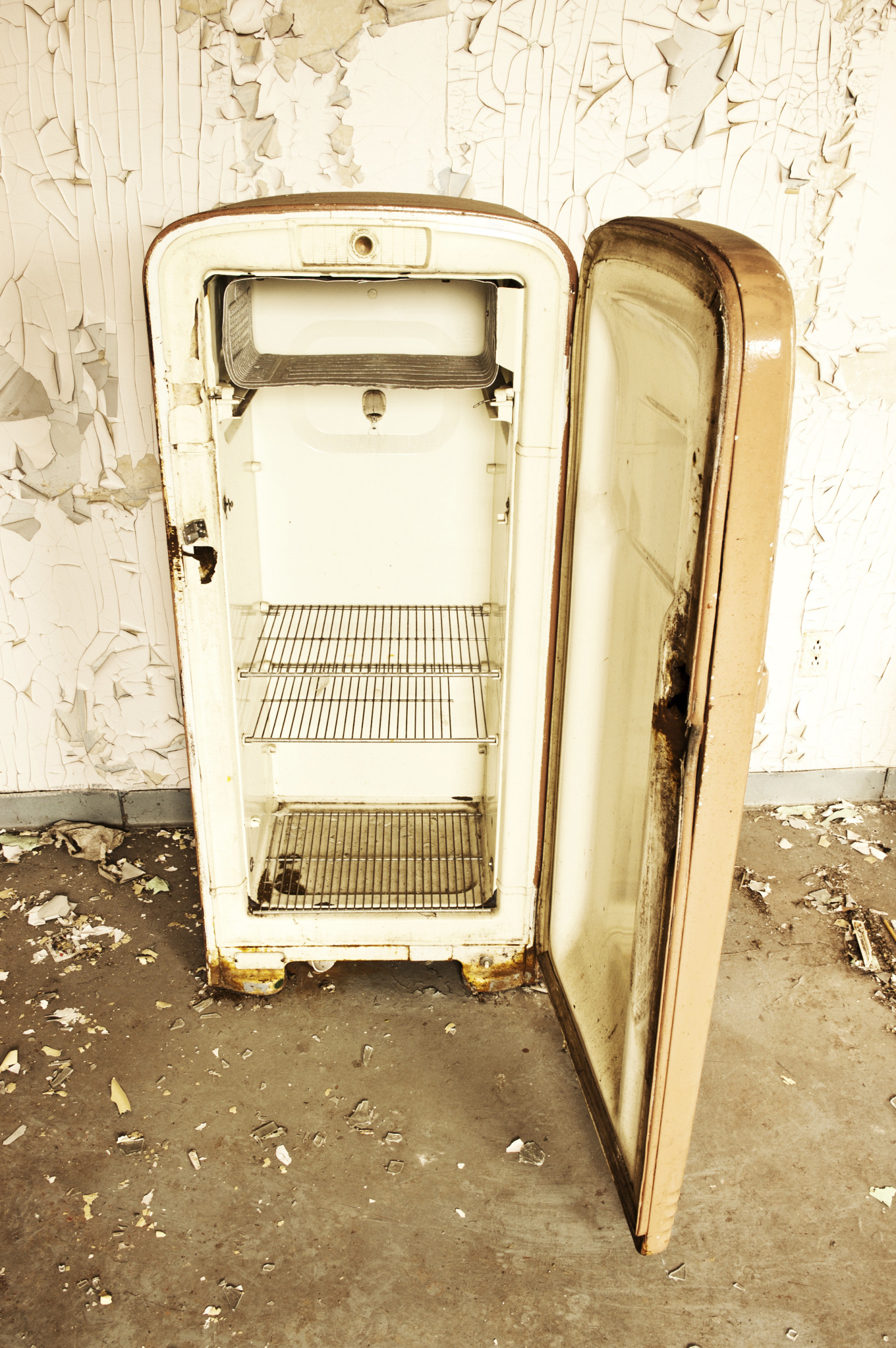 America's Oldest Fridge? 85-Year-Old Machine Still Running