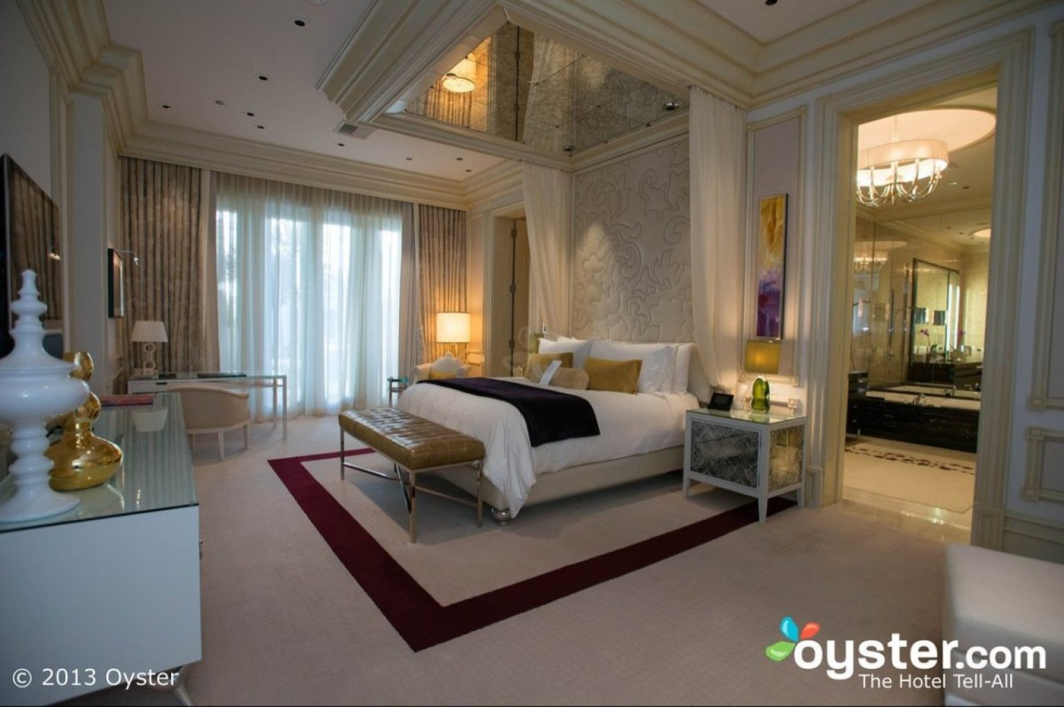 5 of the most uber luxurious suites in las vegas huffpost for Most luxurious hotels