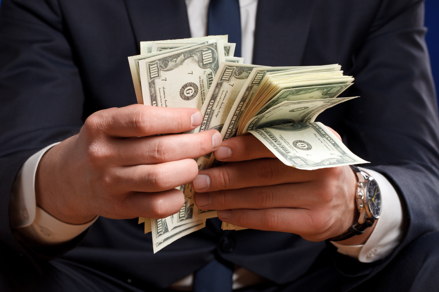 essay about how to spend one million dollars College admissions essays title: what i would do with a million dollars my the 700 million dollar bailout essay they would spend it on.