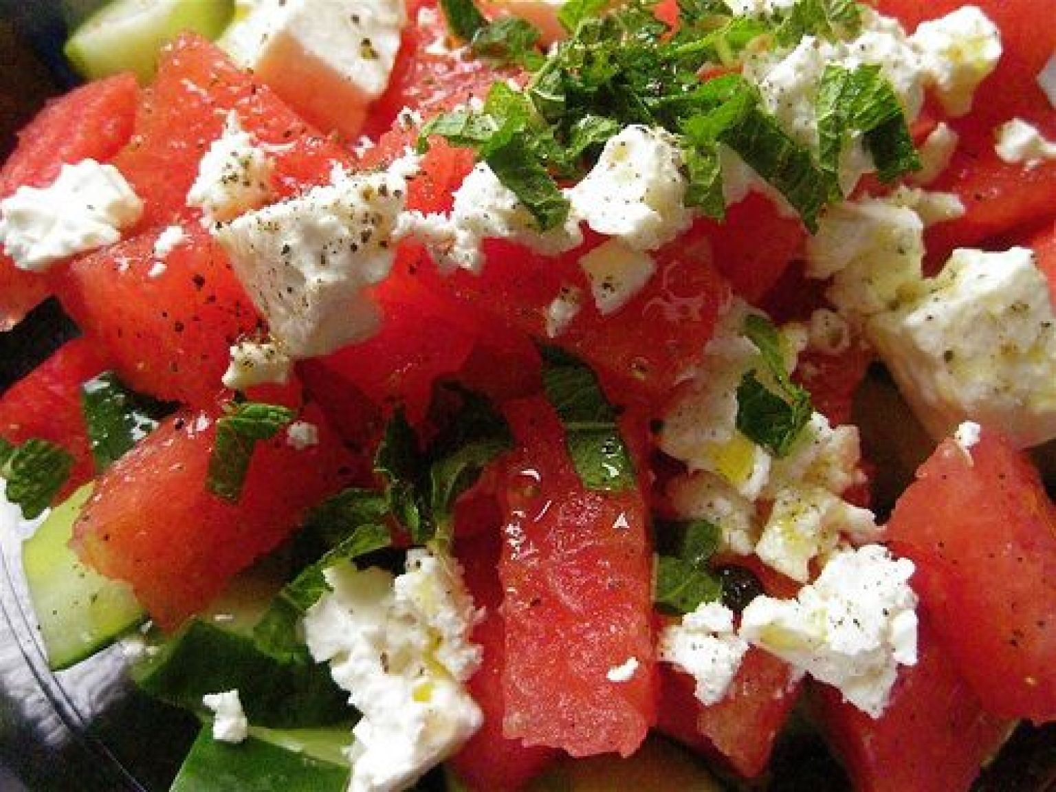 watermelon salad recipe with cucumbers mint and feta cheese huffpost. Black Bedroom Furniture Sets. Home Design Ideas