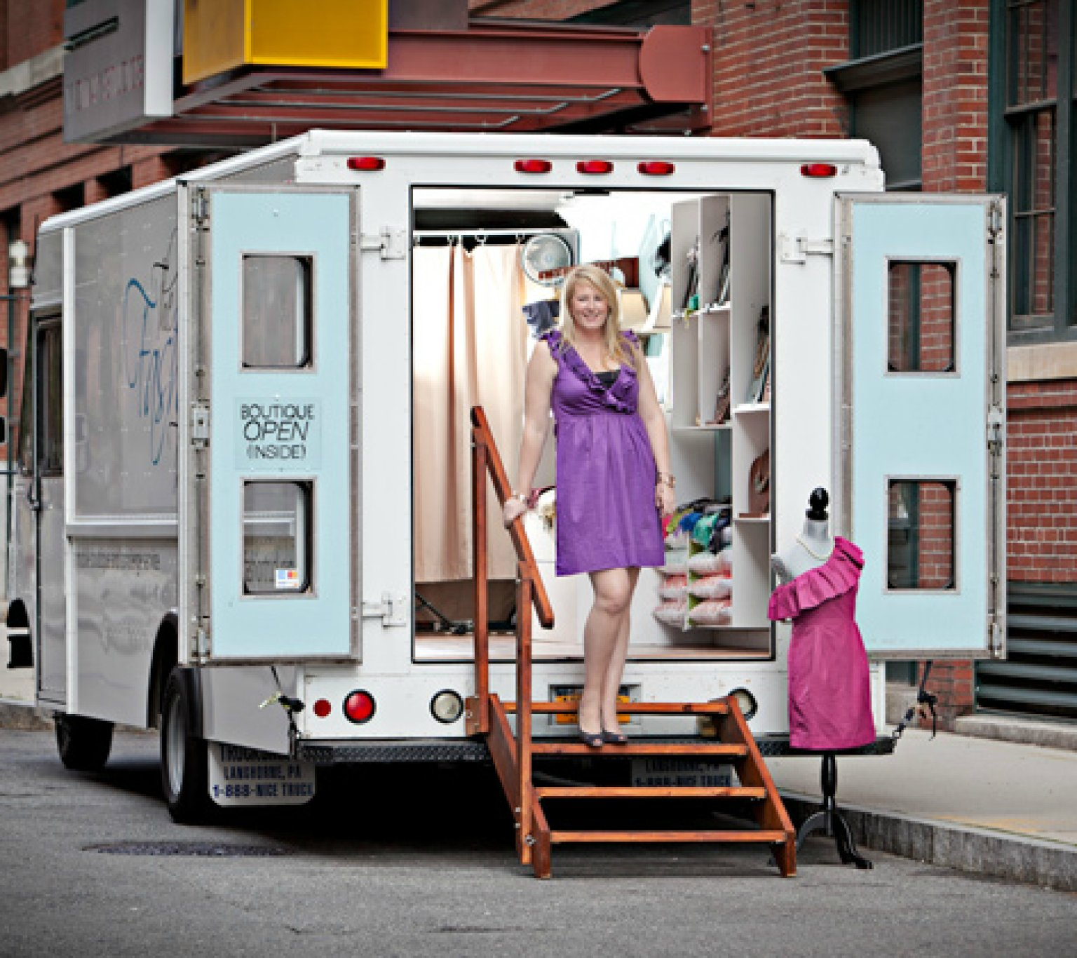 Fashion Boutiques On Wheels Are Retail S Answer To Food
