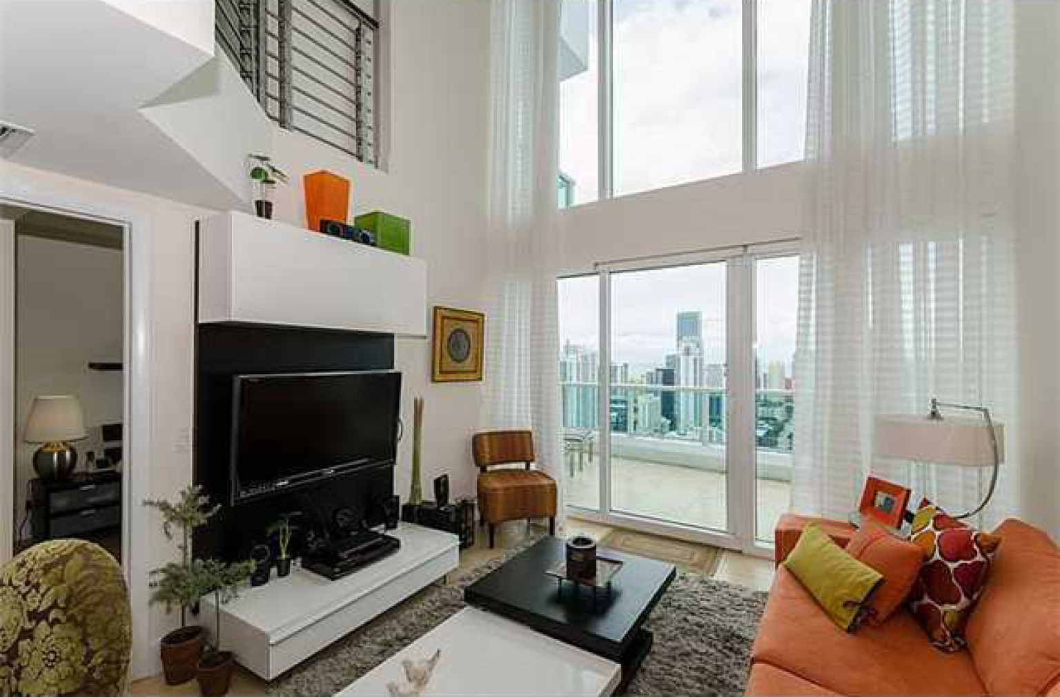 7 chic miami lofts for sale photos huffpost - 1 bedroom apartments for rent in miami ...