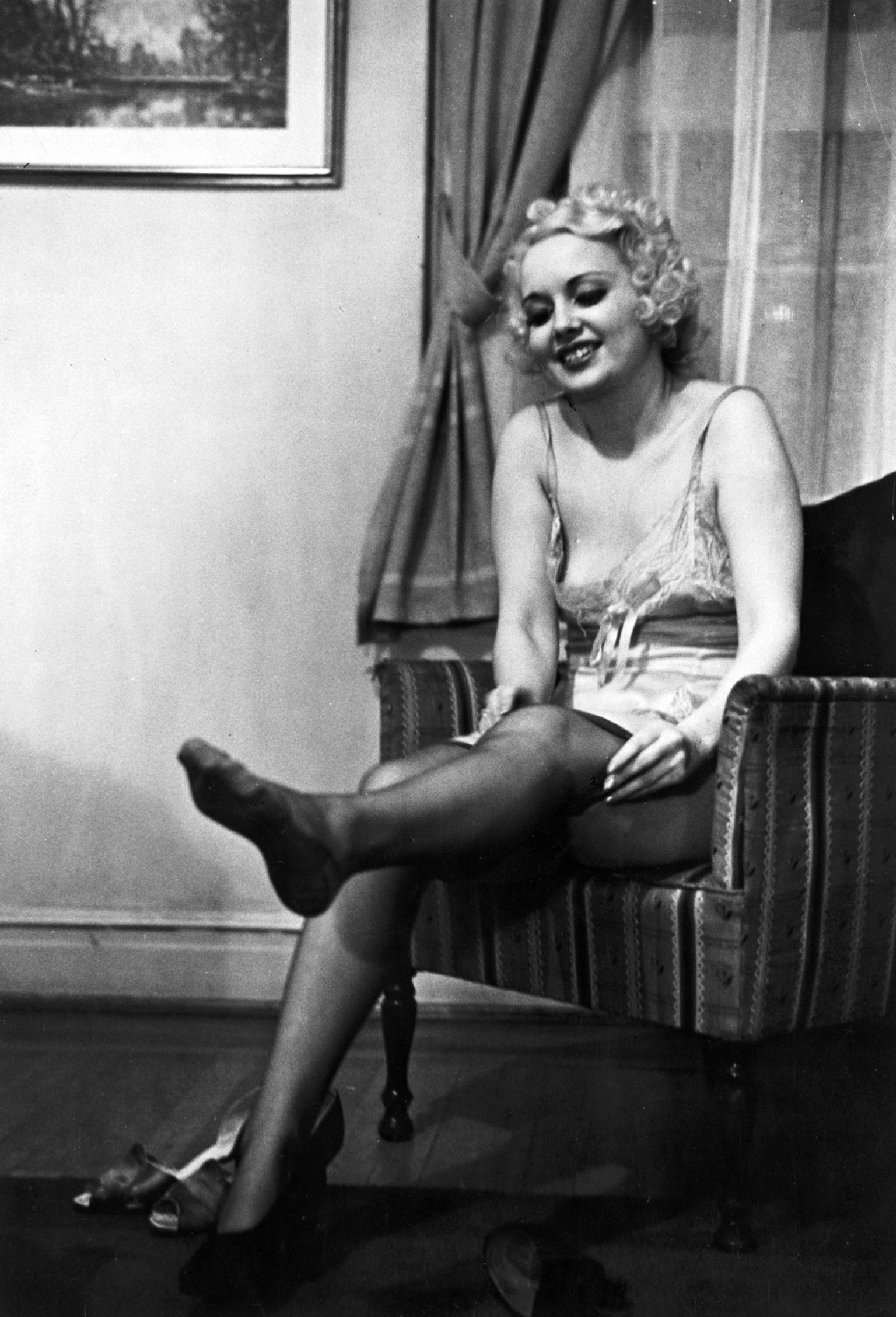 how a wife should undress': sex advice from 1930s burlesque stars