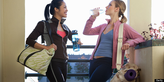Health Blog Roundup: Gym Bag Essentials, Summer Workout Playlist And More