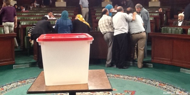 En attendant le dépouillement du huitième scrutin, le 23 juillet 2013 à l'Assemblée nationale constituante