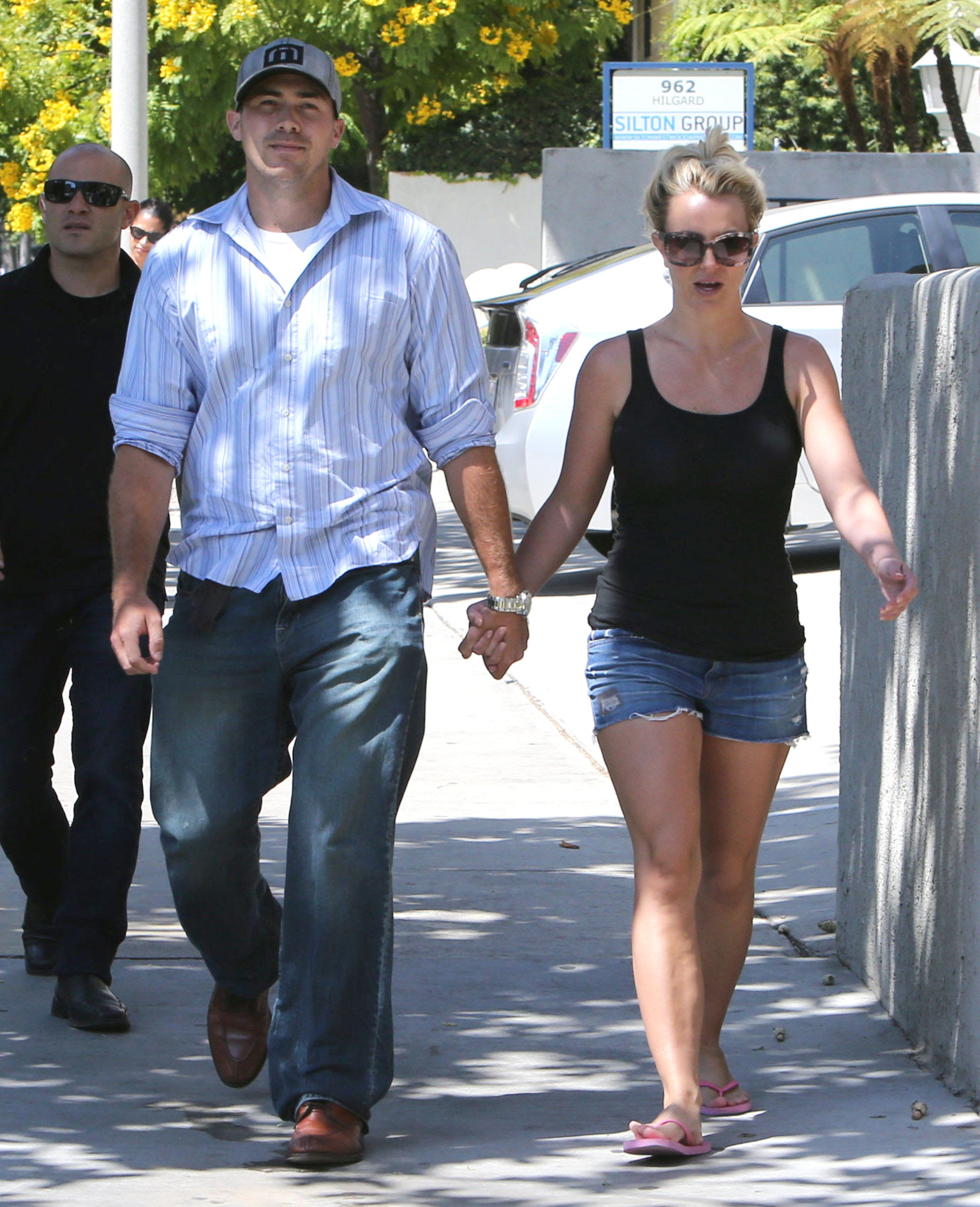 Who is britney spears dating now