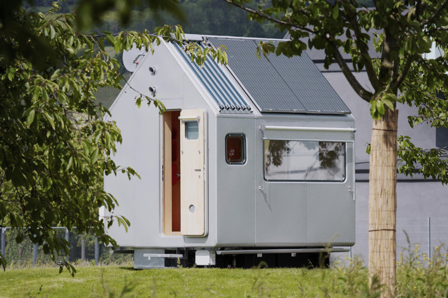 Renzo piano 39 s 39 diogene 39 tiny home proves this architect for Small house design facebook