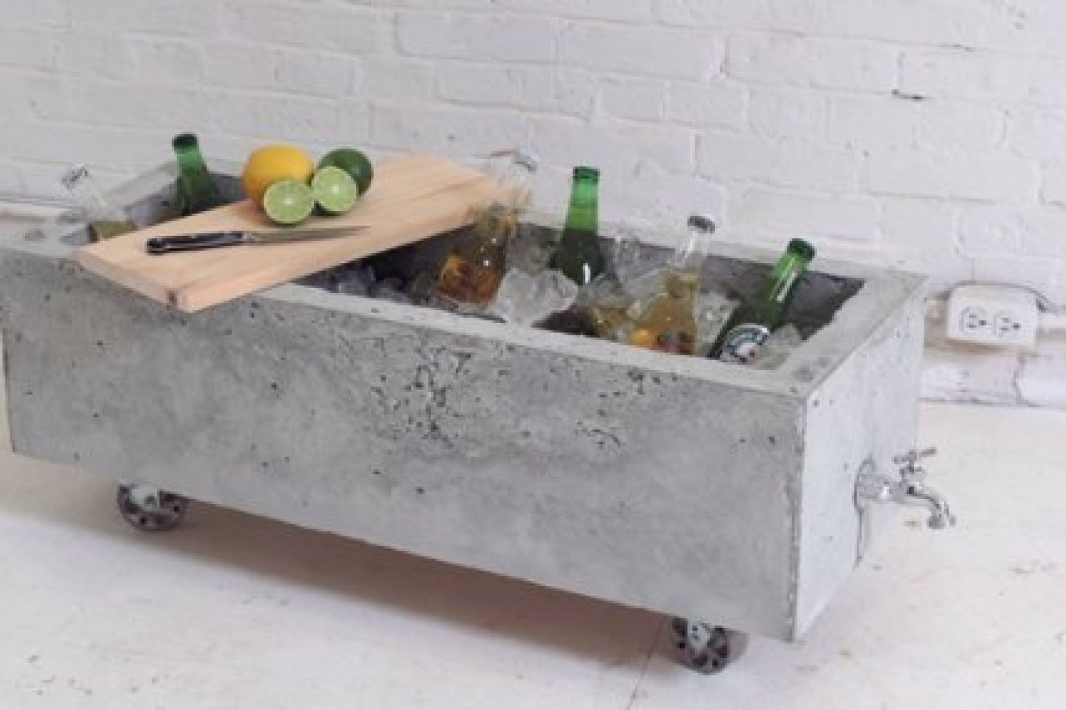 DIY Concrete Planter Doubles As An Industrial-Chic Drink ...