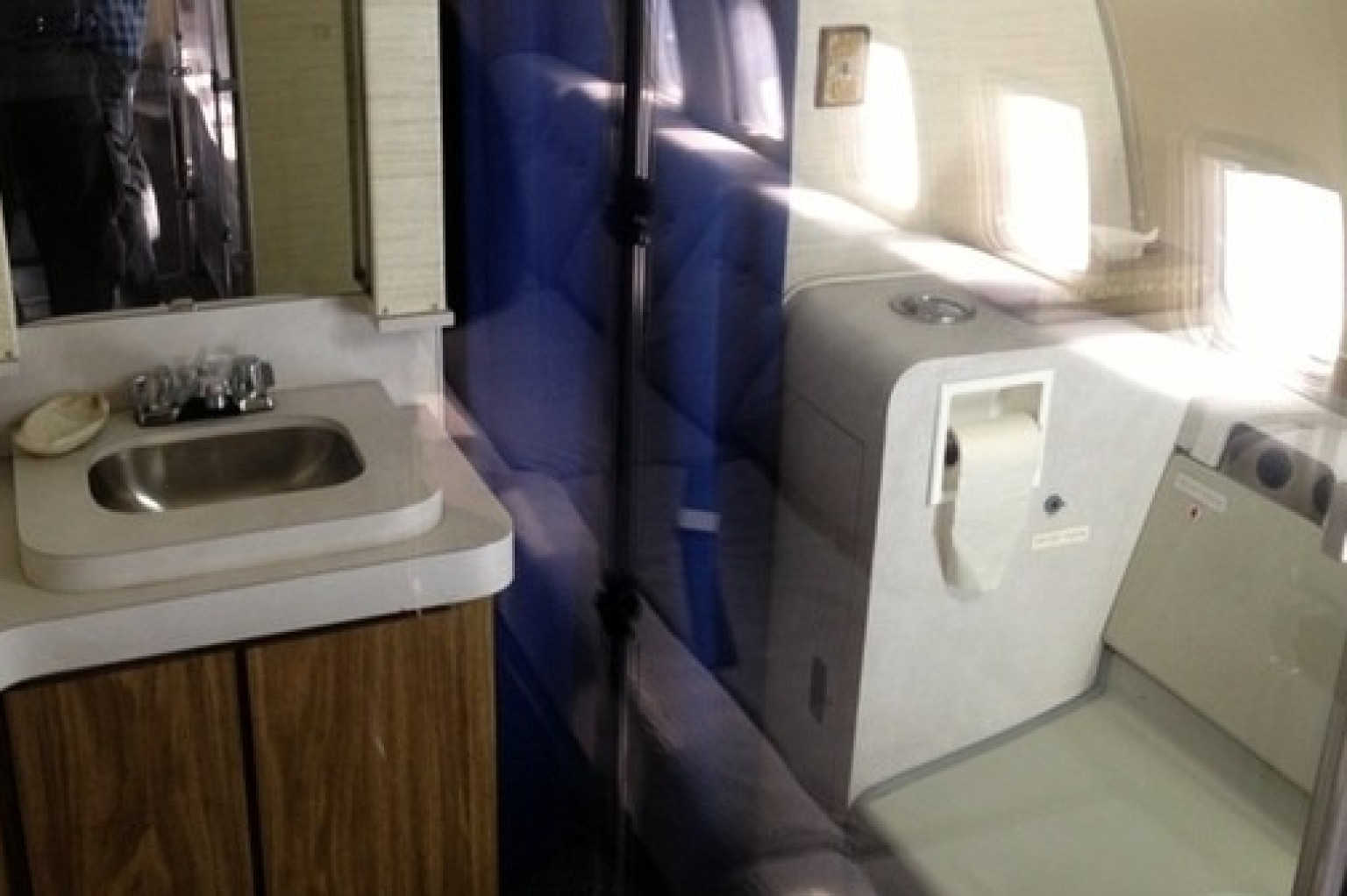 Air Force One S Bathroom Macy S Ladies Room Amp 8 Other