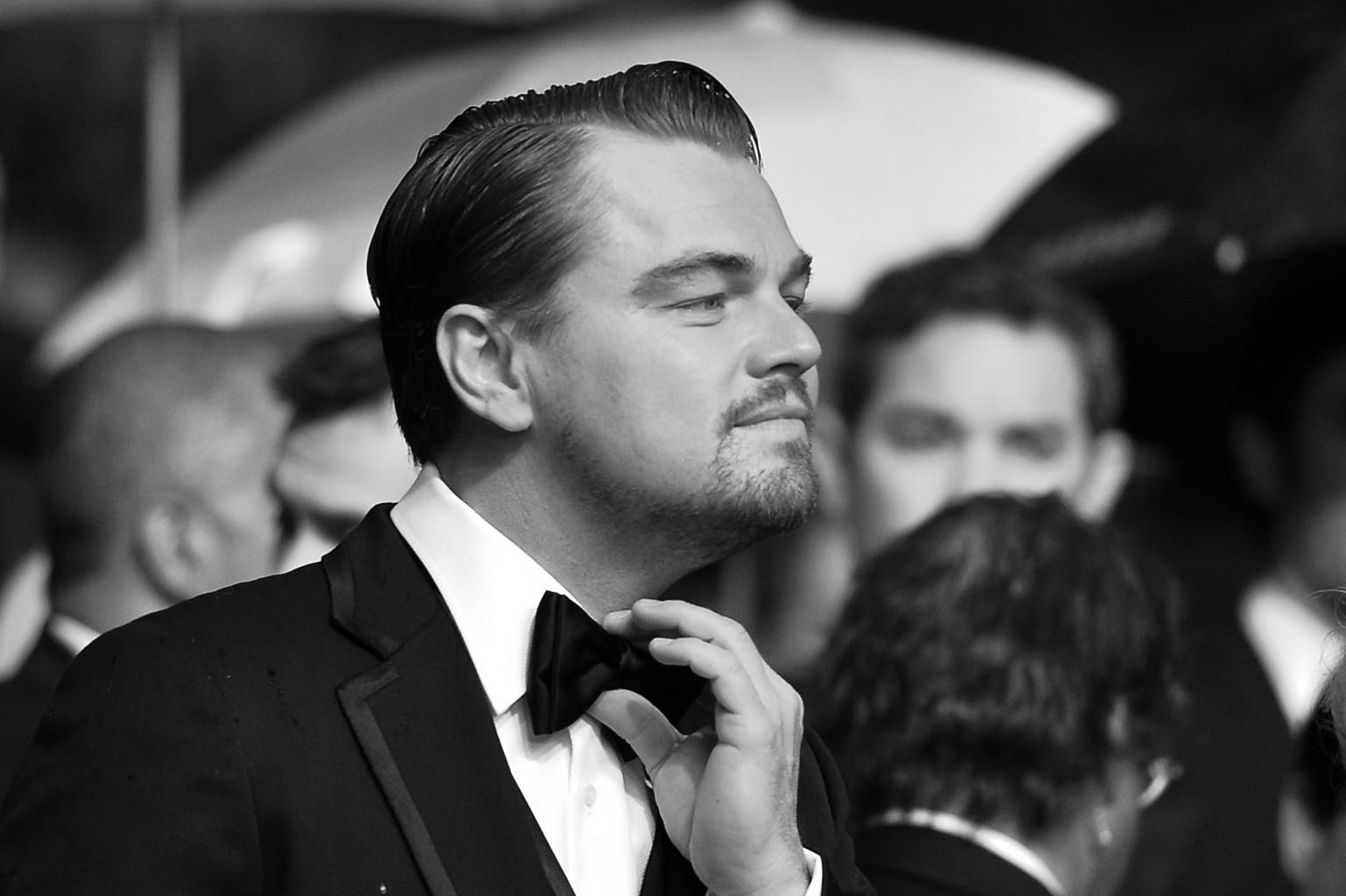 Leonardo DiCaprio And Toni Garrn Kiss In Spain | HuffPost