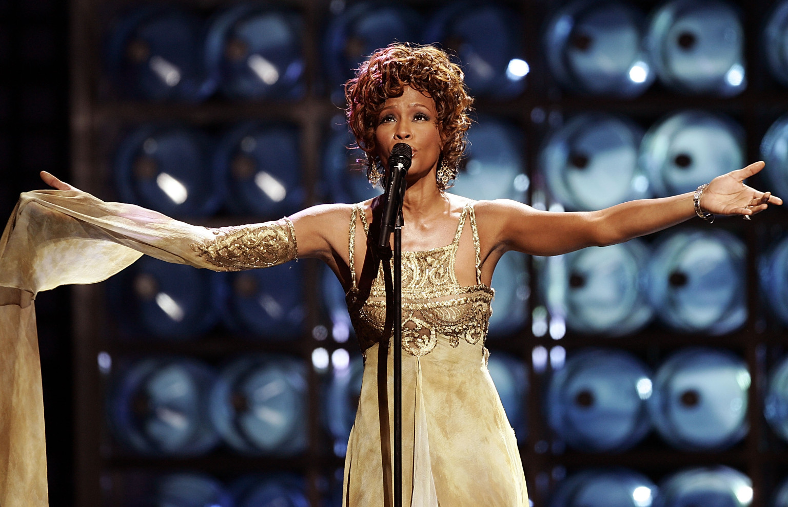 Whitney Houston S 50th Celebrated With Her No 1 Singles
