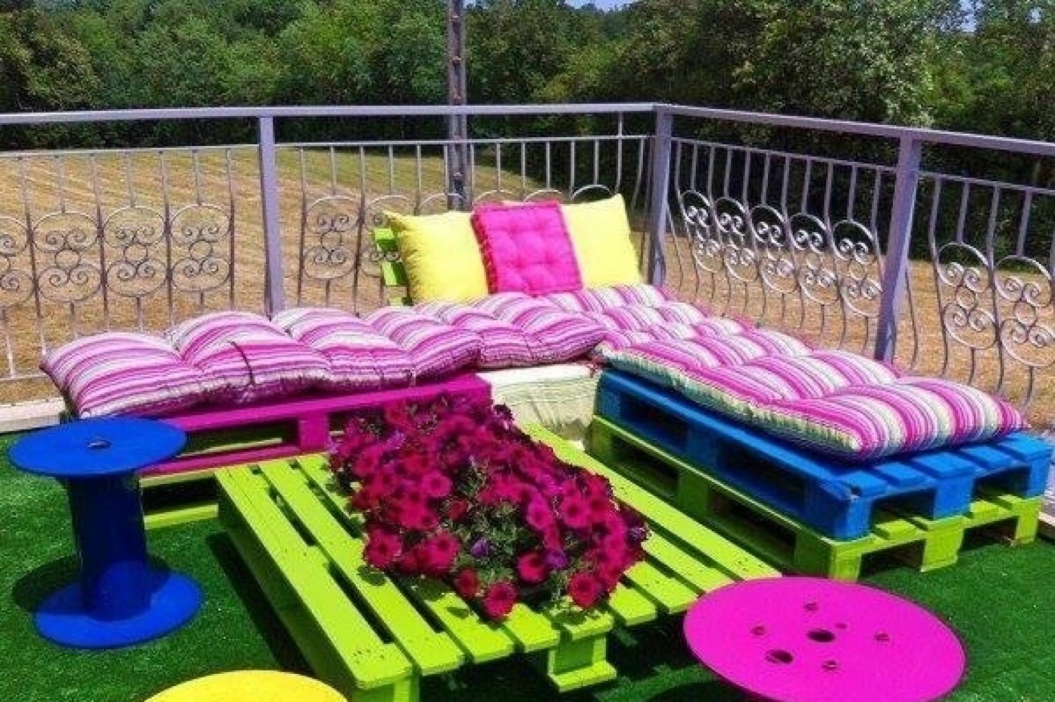 garden furniture made from cable drums and wood pallets actually doesnt look so bad photo huffpost