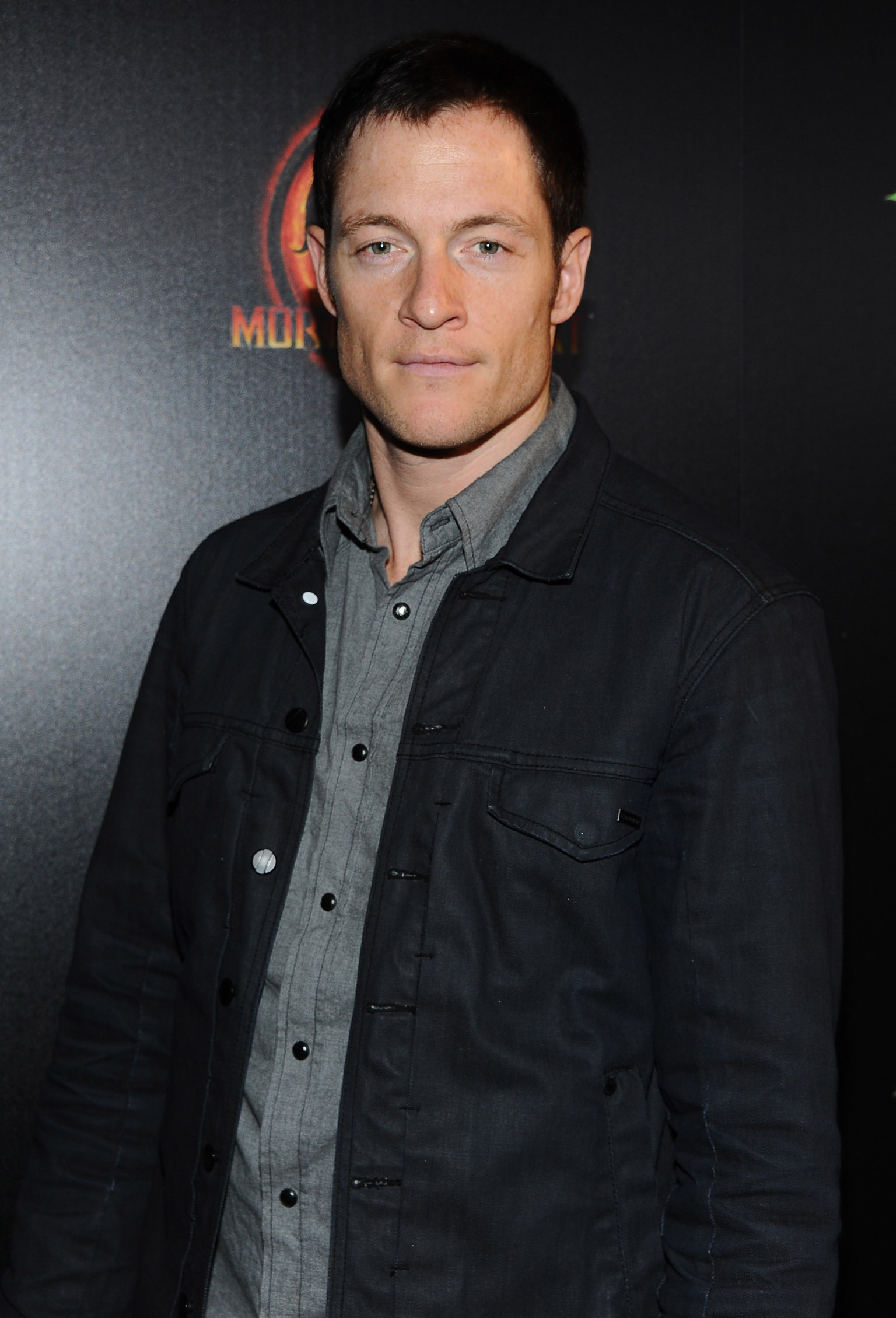Supernatural season 9 adds tahmoh penikett as fallen angel supernatural season 9 adds tahmoh penikett as fallen angel ezekiel plus intel from jeremy carver huffpost voltagebd Image collections