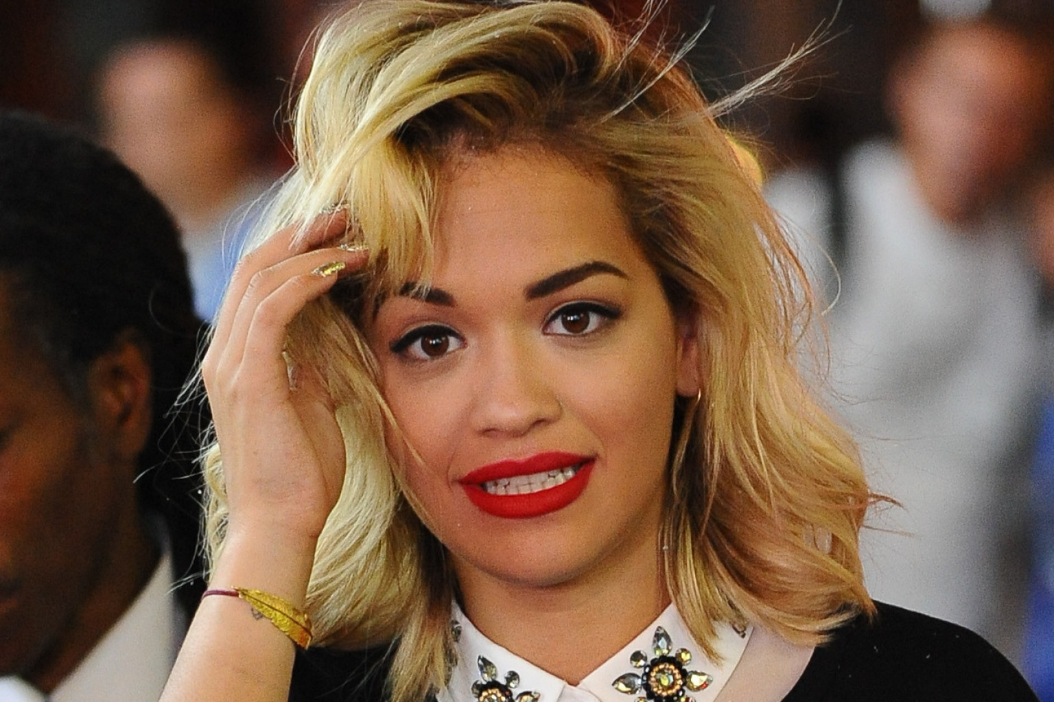 Rita Ora Hair Singer Dyes Her Blue Hair Yellow: Rita Ora's Hair Is A Total Throwback (PHOTOS)