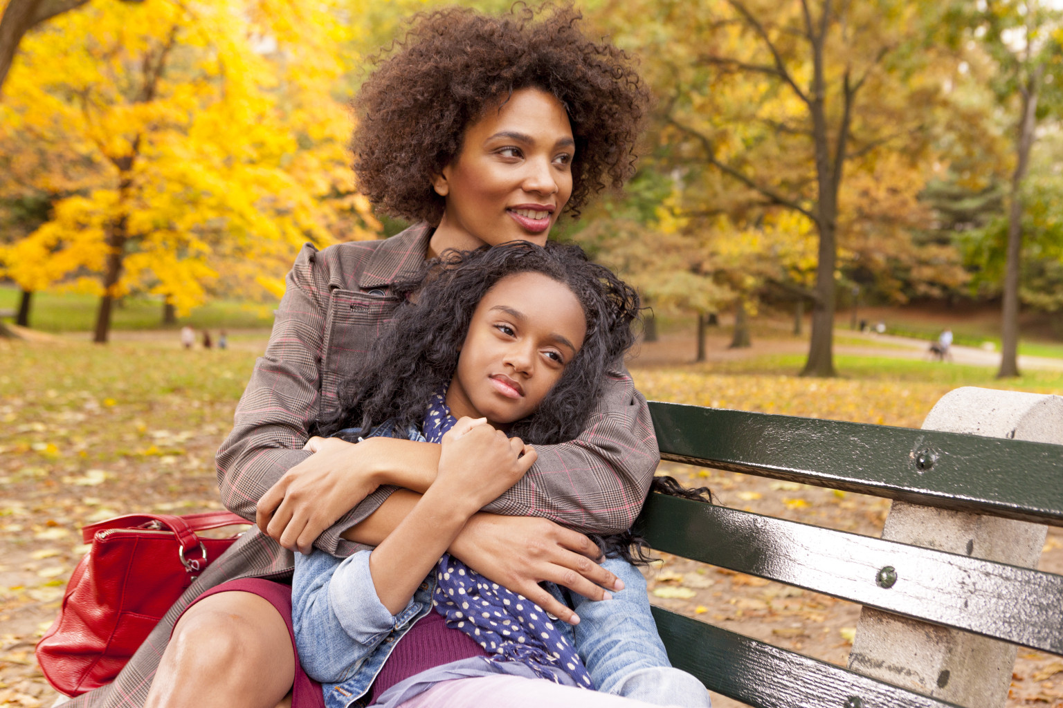 challenges single moms face Single moms tend to face many mental health challenges, including sleep deprivation, self-neglect, judgment, conflicts with an ex and more.