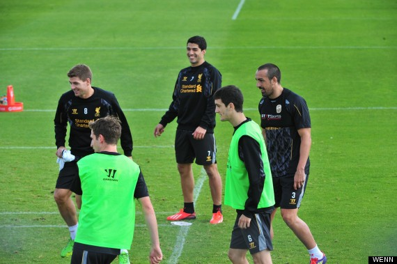 luis suarez liverpool training