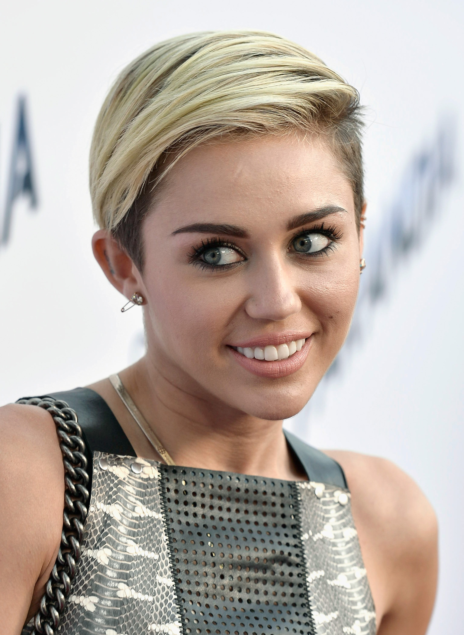 miley cyrus hair styles miley cyrus on hair i m breaking this 2307