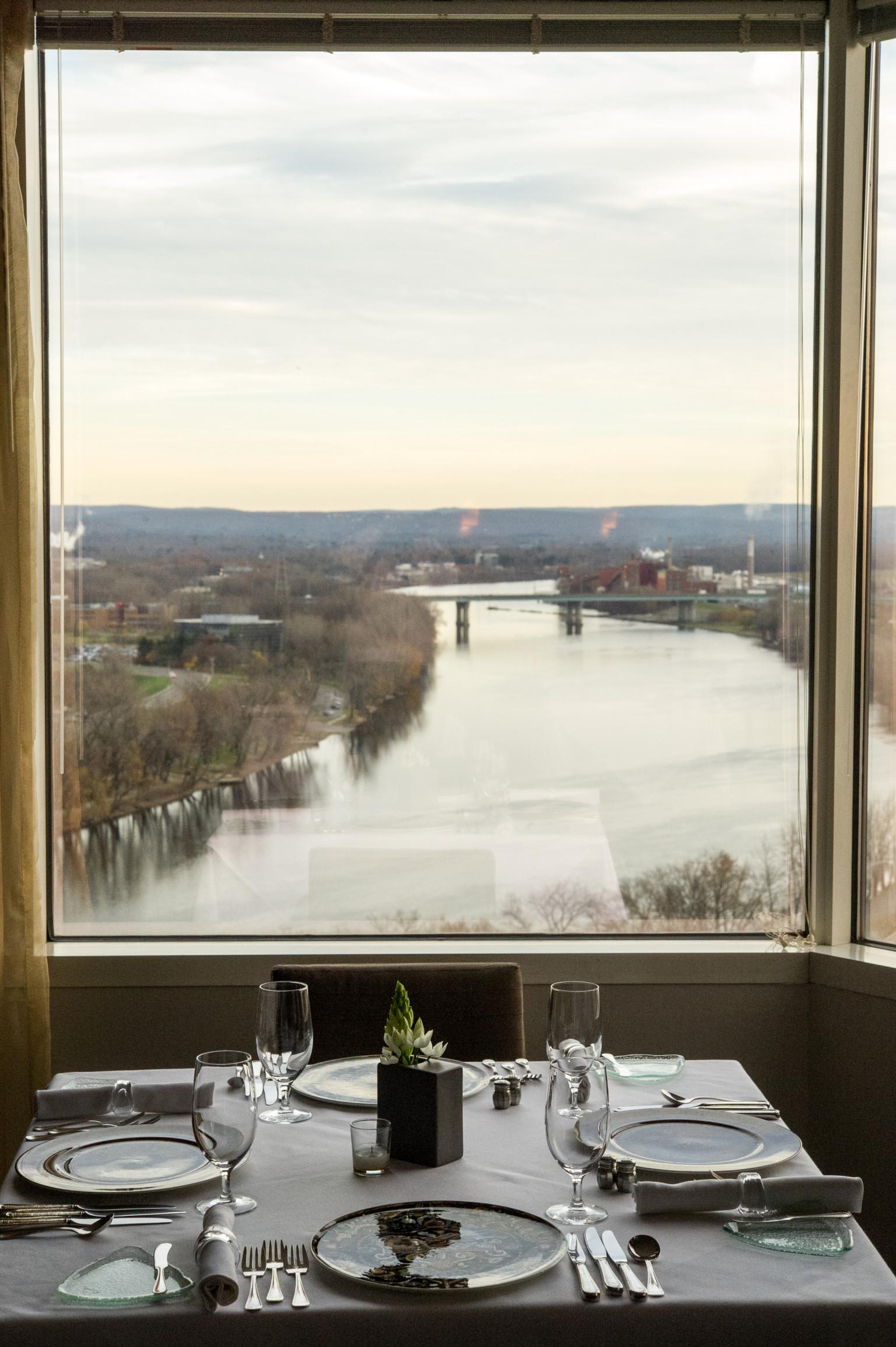 12 Unexpected Locations Of OpenTable\'s Top 100 Scenic Restaurants ...