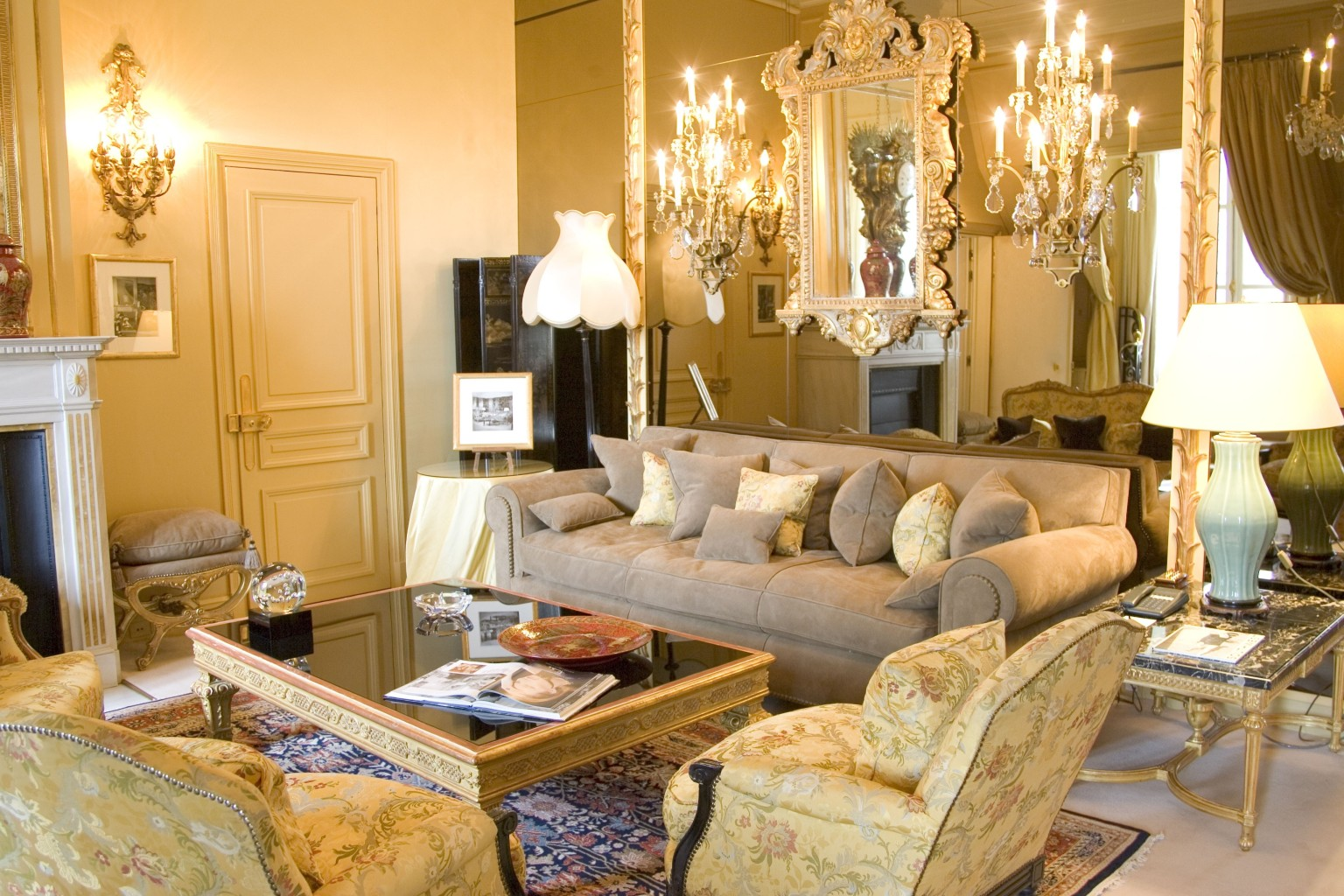 Hotel Rue Pierre Chaubon Paris