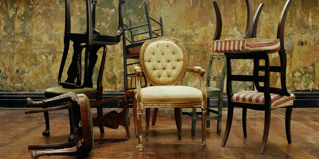 10 Best Websites For Vintage Furniture That You Can Browse From Your Living Room