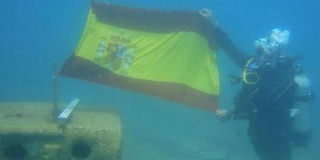 One of the pictures posted on Twitter, purportedly of Spanish divers