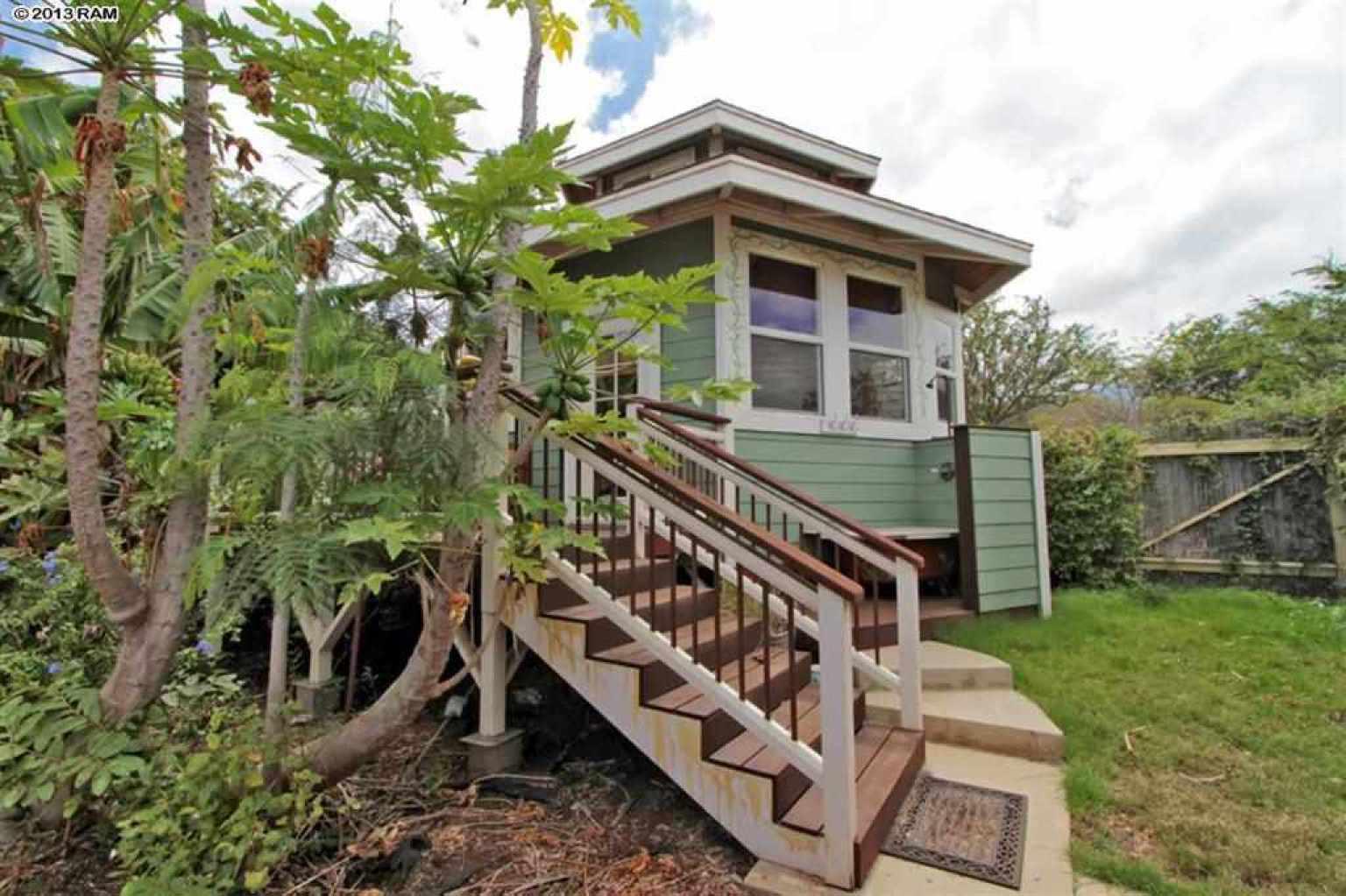 Kupu Hou Organic Farm In Hawaii Comes With A Gorgeous Home