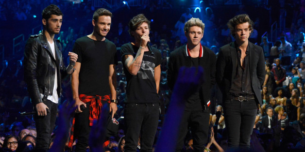 NEW YORK, NY - AUGUST 25:  One Direction speaks on stage during the 2013 MTV Video Music Awards at the Barclays Center on August 25, 2013 in the Brooklyn borough of New York City.  (Photo by Kevin Mazur/WireImage for MTV)