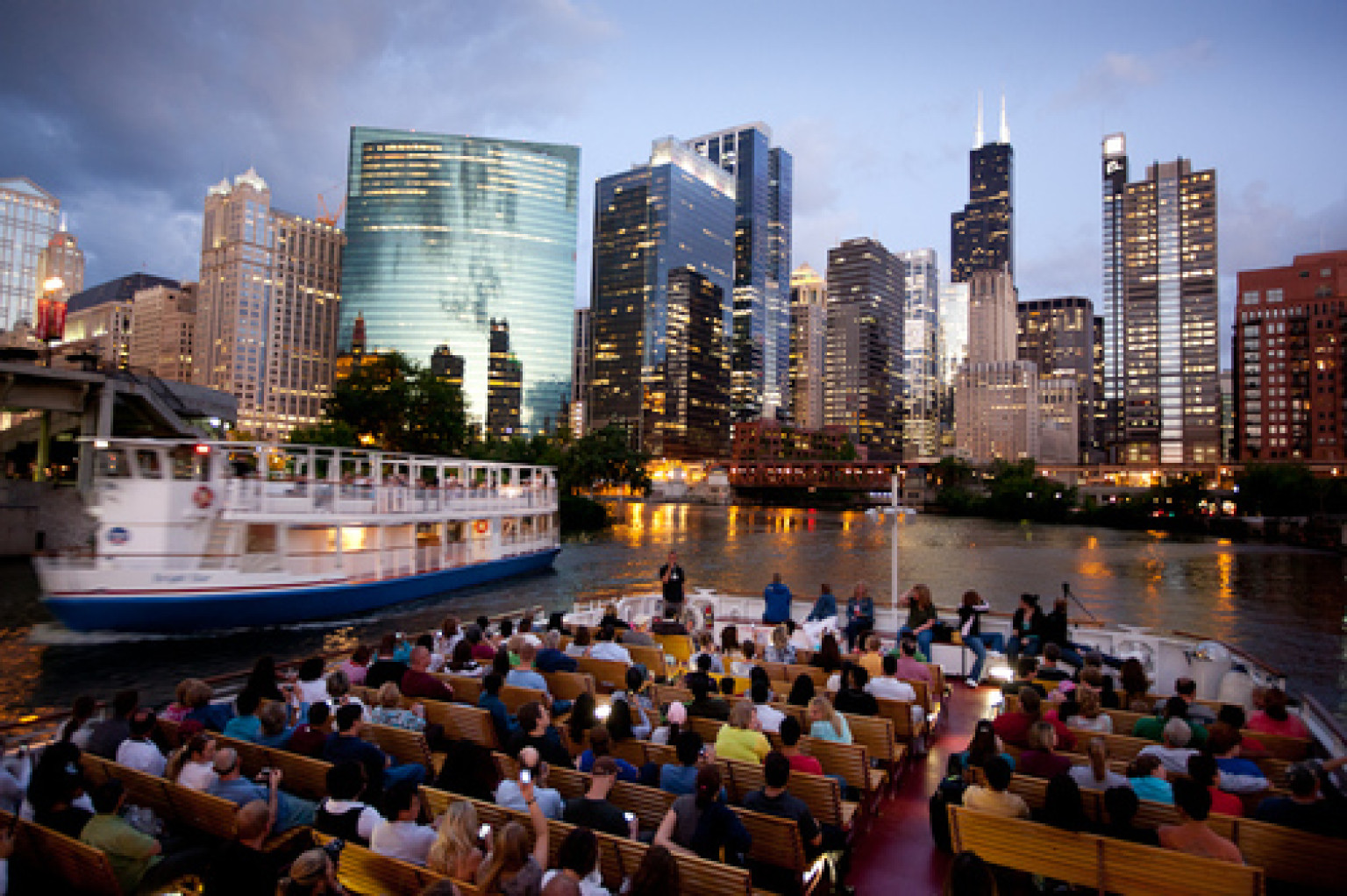 Boat Tours Off Navy Pier
