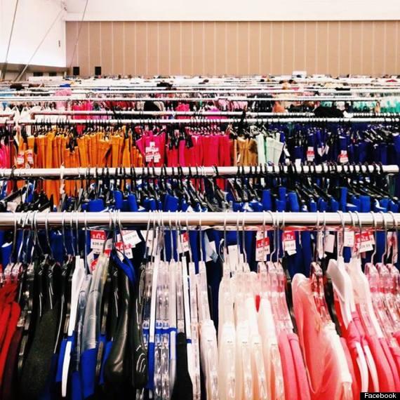 aritzia warehouse sale