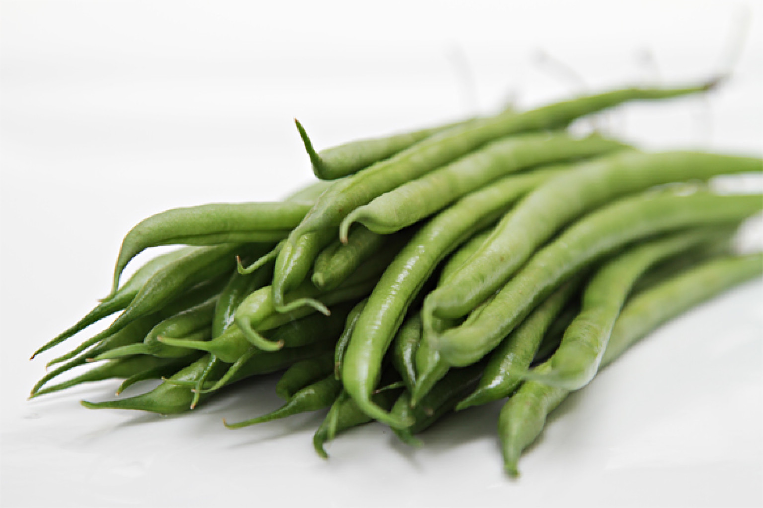 haricots verts with tarragon butter huffpost. Black Bedroom Furniture Sets. Home Design Ideas