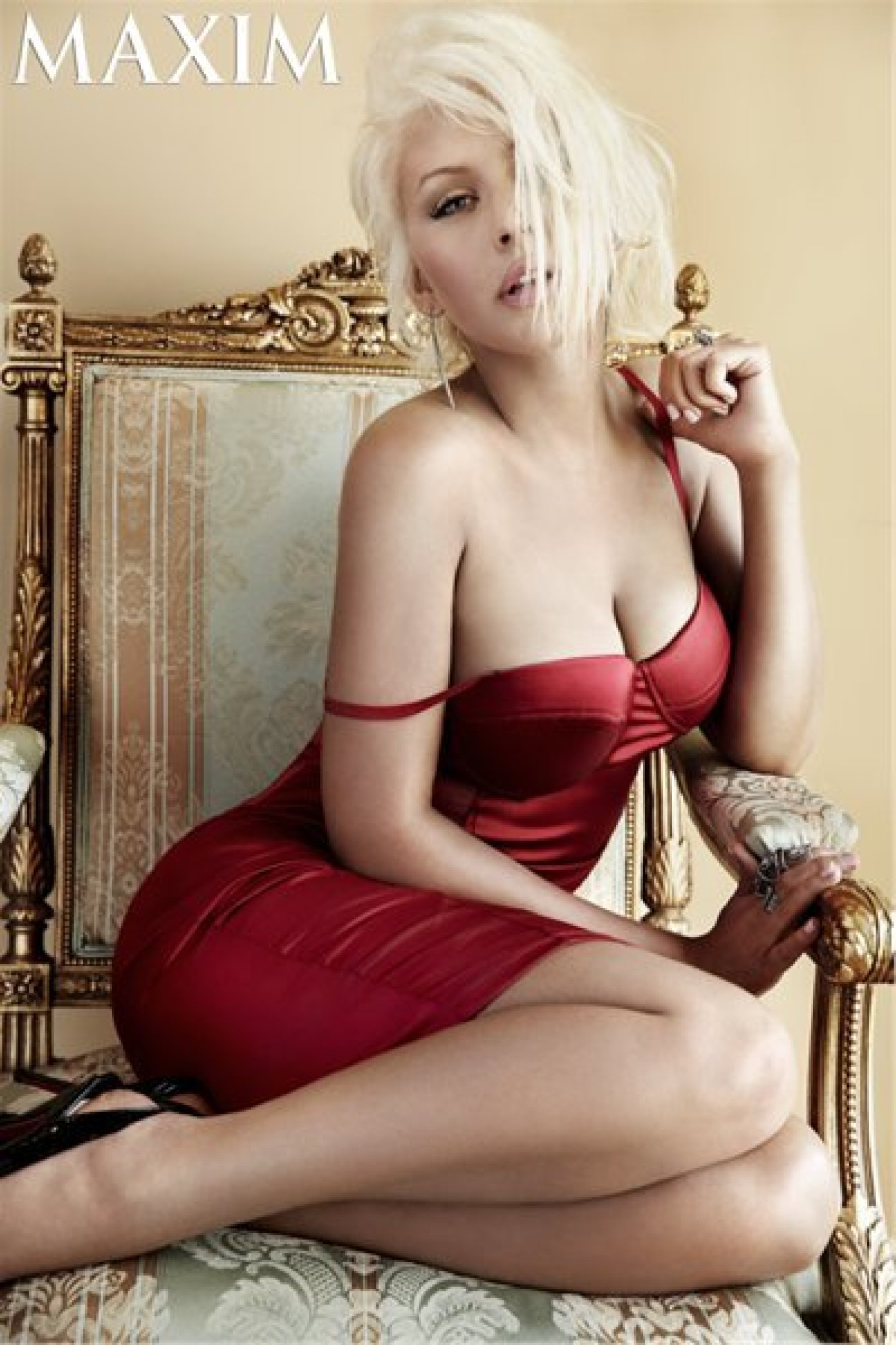 college-christina-aguilera-topless-photoshoot-video-uncensored-pussy-fucked-sex