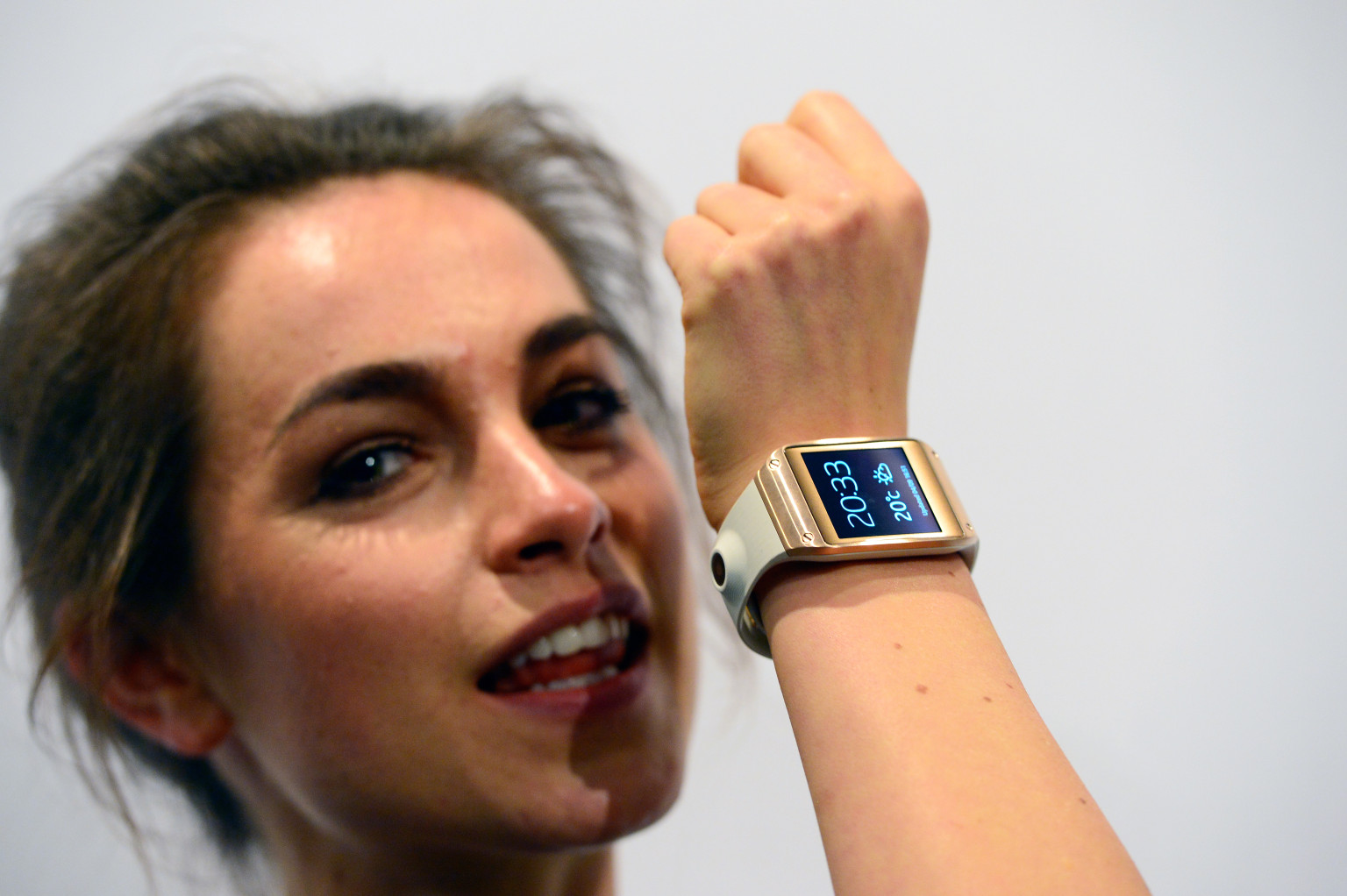 Samsung Announces A Watch You Won't Stop Watching | HuffPost