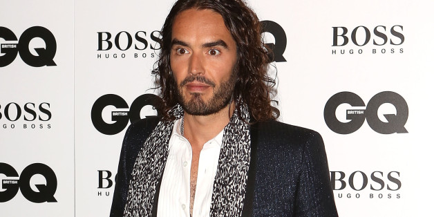 Bien-aimé Russell Brand Blasts Hugo Boss For Nazi Ties At British GQ Awards  EF97