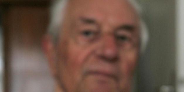Rochus Misch, former staff sergeant in the Nazi SS, has died