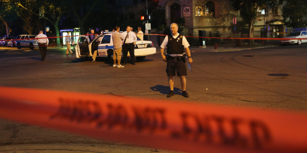 Chicago Shootings: 2 Killed, More Than A Dozen Others Wounded In Weekend Gun Violence